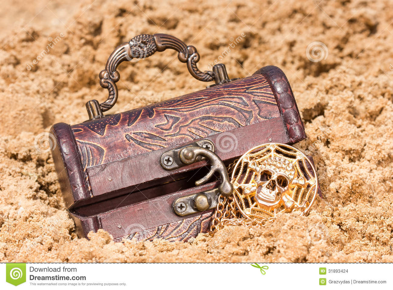 Toy Treasure Chest Beach : Treasure chest with the gold on a sandy beach stock photo
