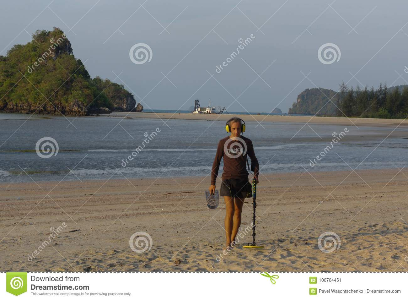 Treasure Hunter With Metal Detector On The Beach Stock Image Fun To Findcoins At Download Of