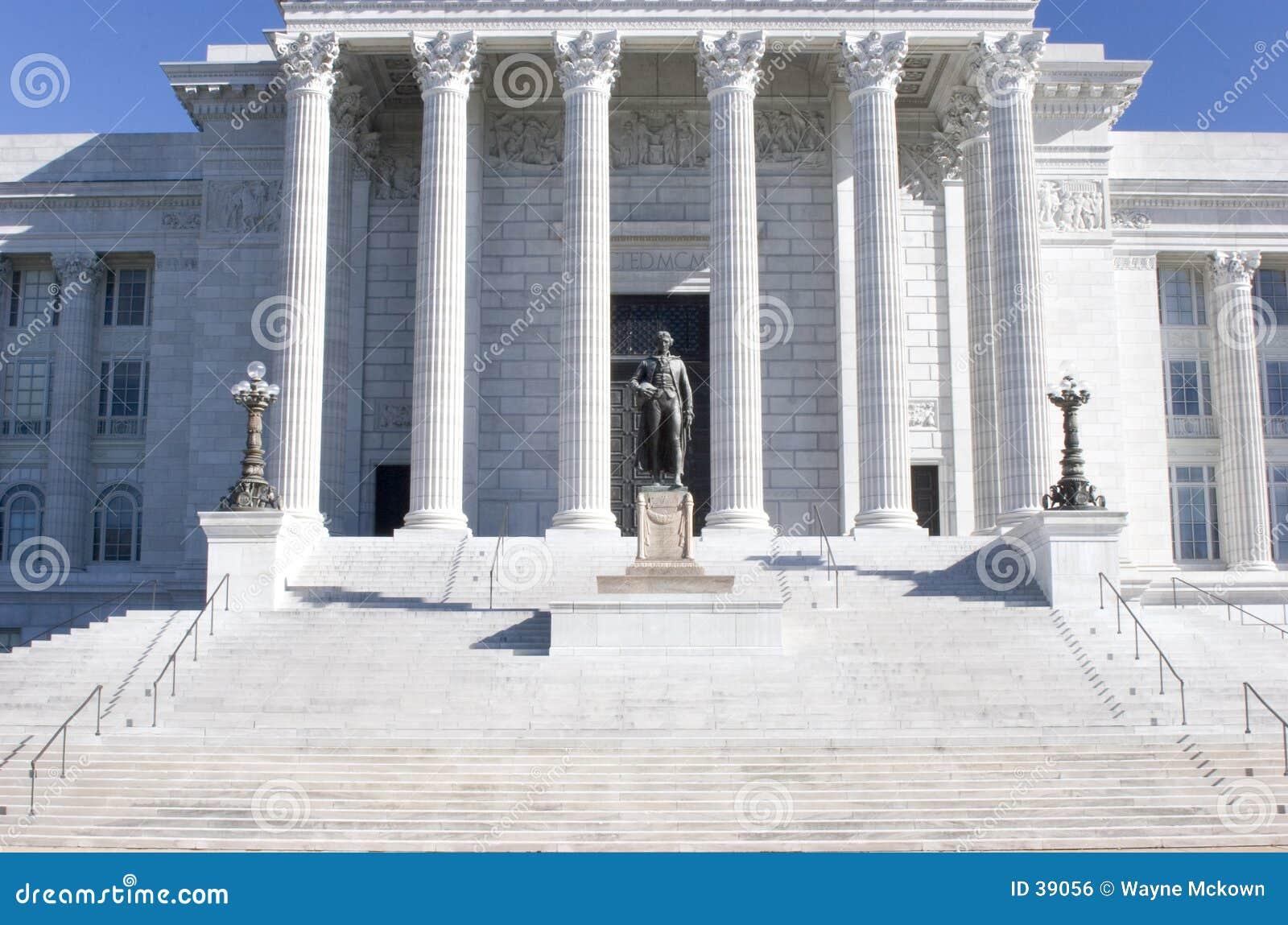 Treden aan het gebouw van het Capitool.