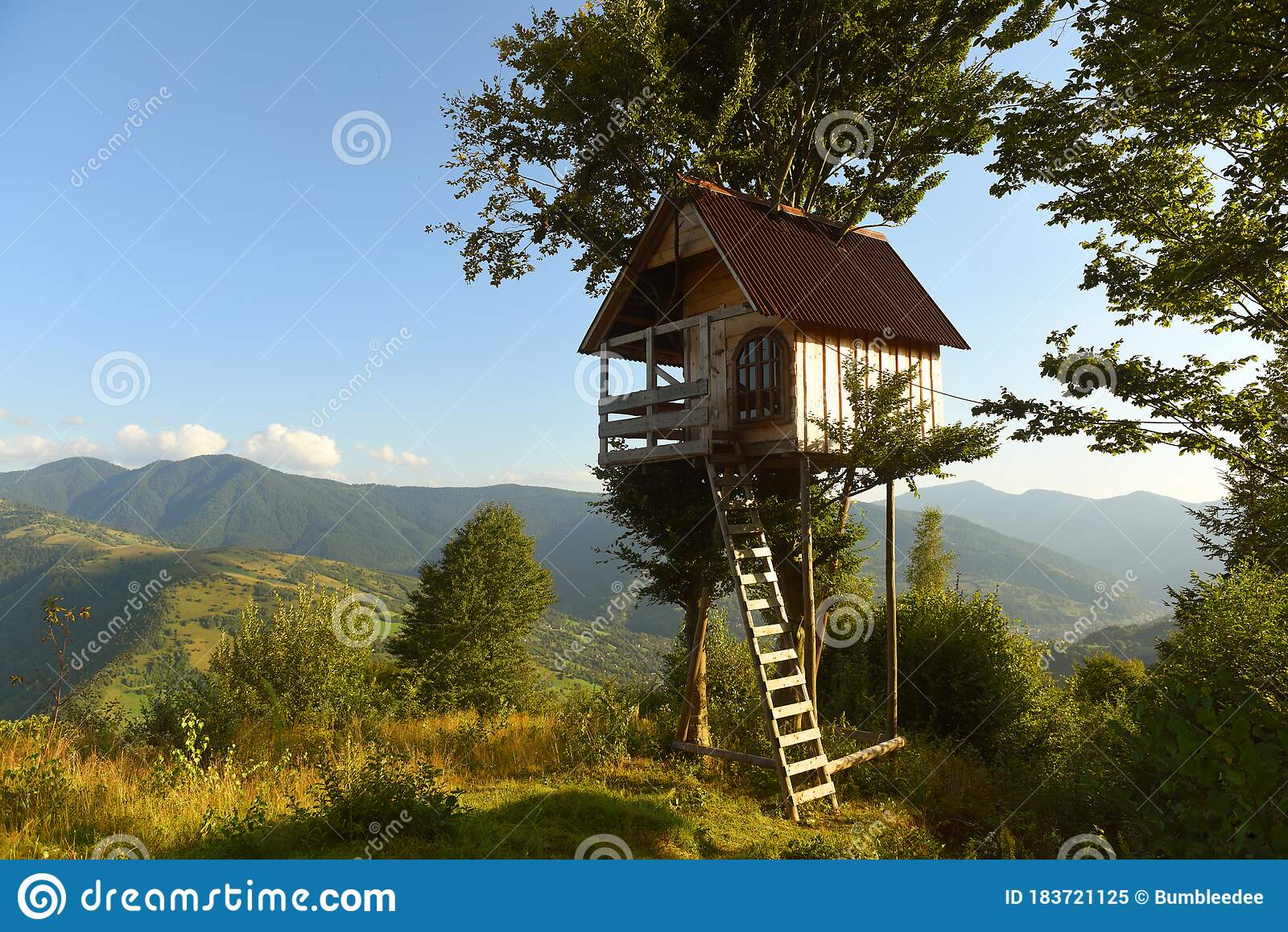 Picture of: Tree House In The Mountains A Children S Treehouse Stock Image Image Of Kids Building 183721125