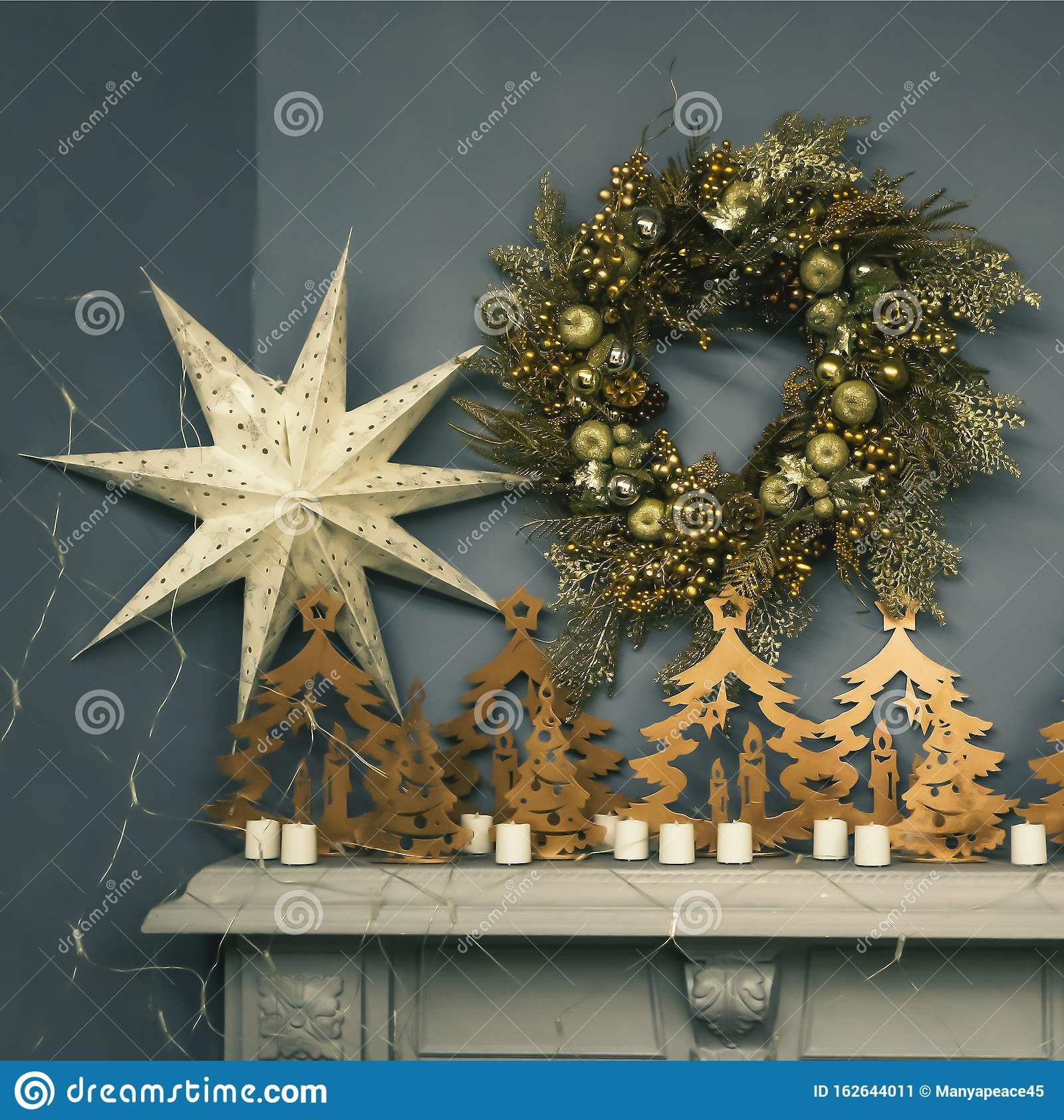 Tree White House Rustic Christmas Wood Mantelpiece Tree Topper Xmas Tree Decorations Melania Trump Selective Focus Stock Image Image Of Flat Present 162644011