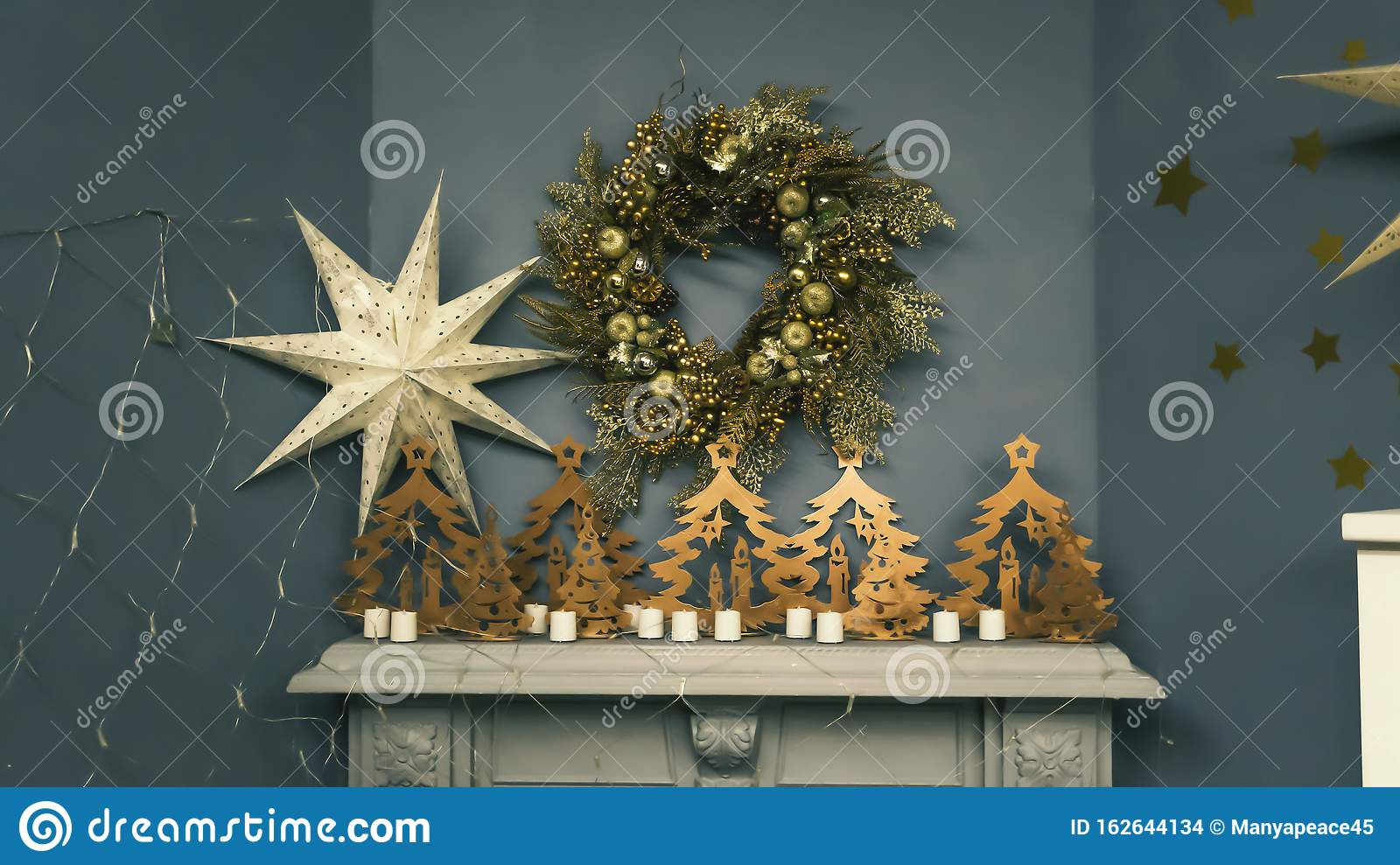 Tree White House Rustic Christmas Wood Mantelpiece Tree Topper Xmas Tree Decorations Melania Trump Selective Focus Stock Photo Image Of Home Gift 162644134