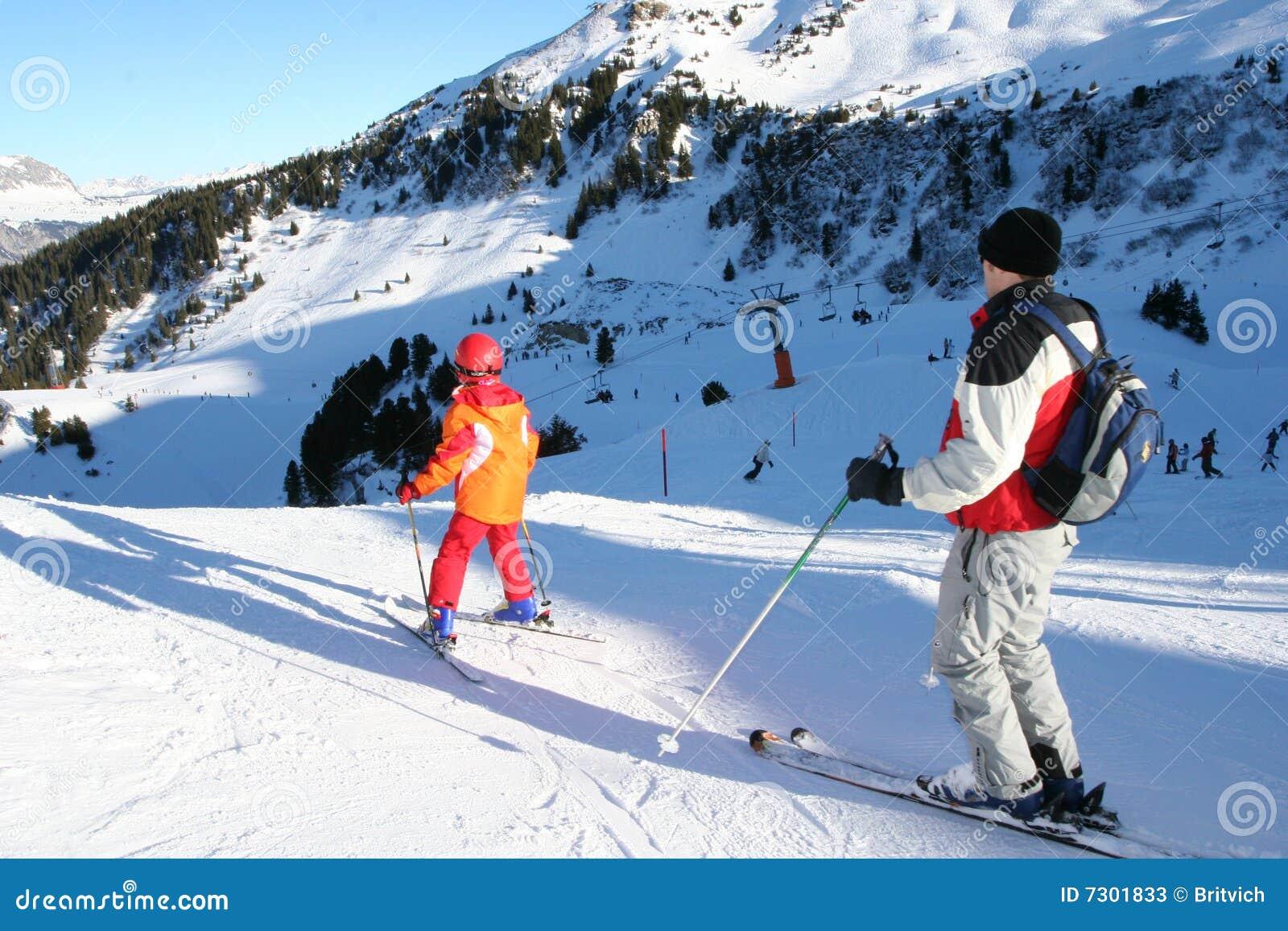 Treinamento de esqui dos miúdos