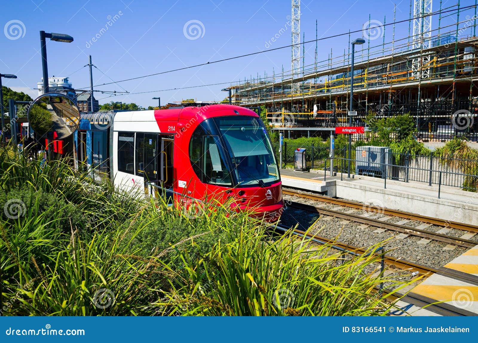 Treine na estação de trilho clara, Sydney, Austrália