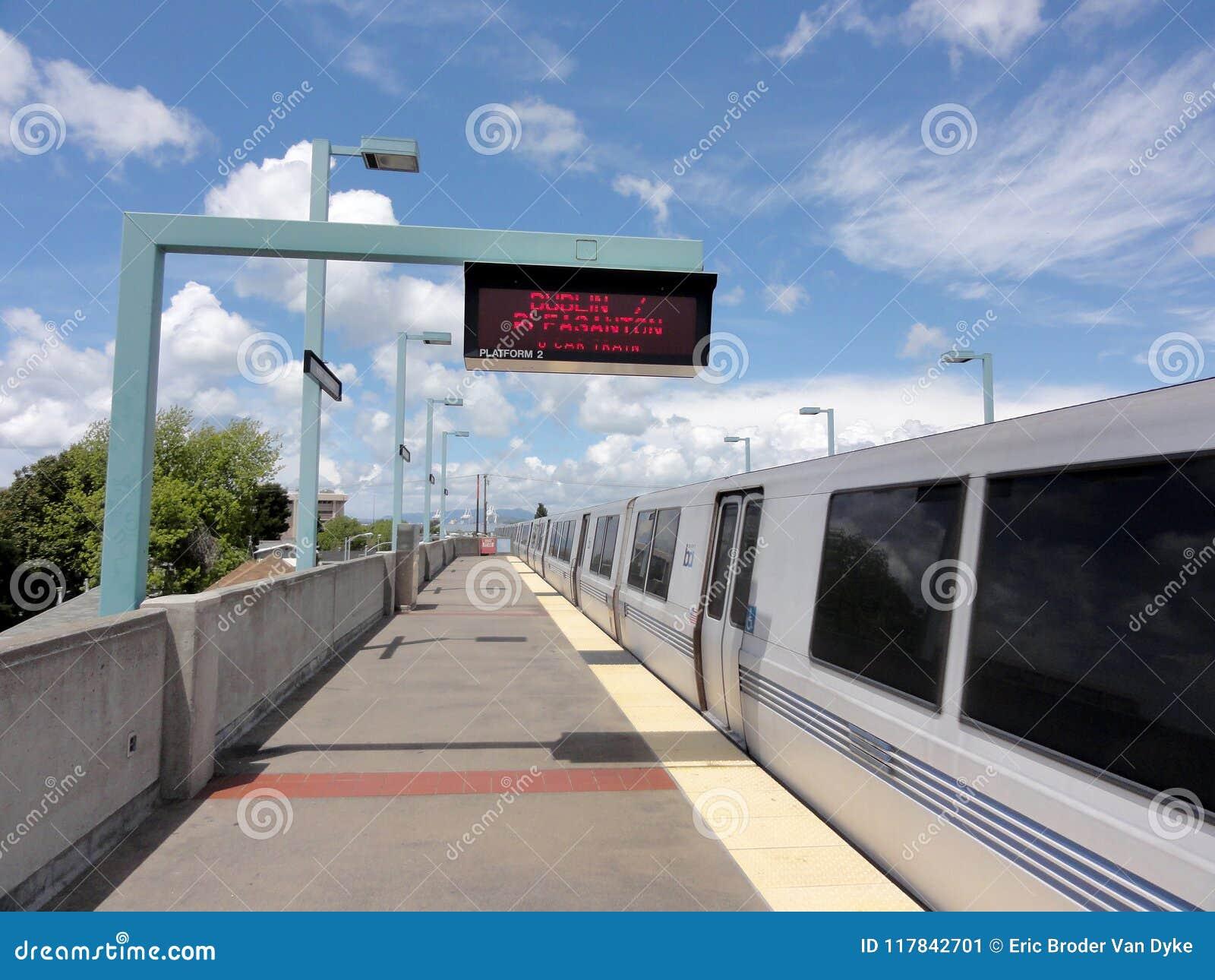 Treineinden in West-Oakland BART Station