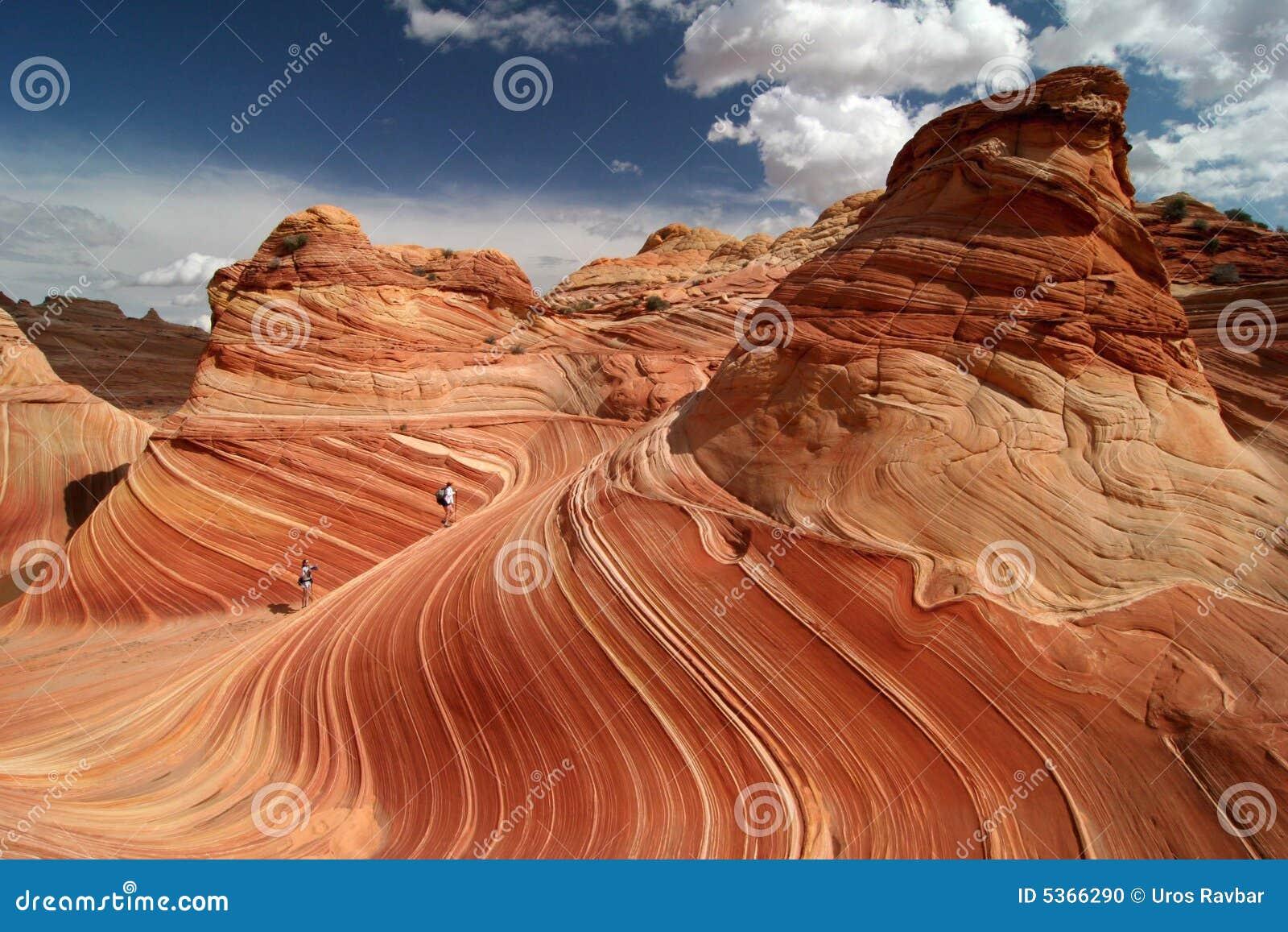 Trekking vermeil de falaises