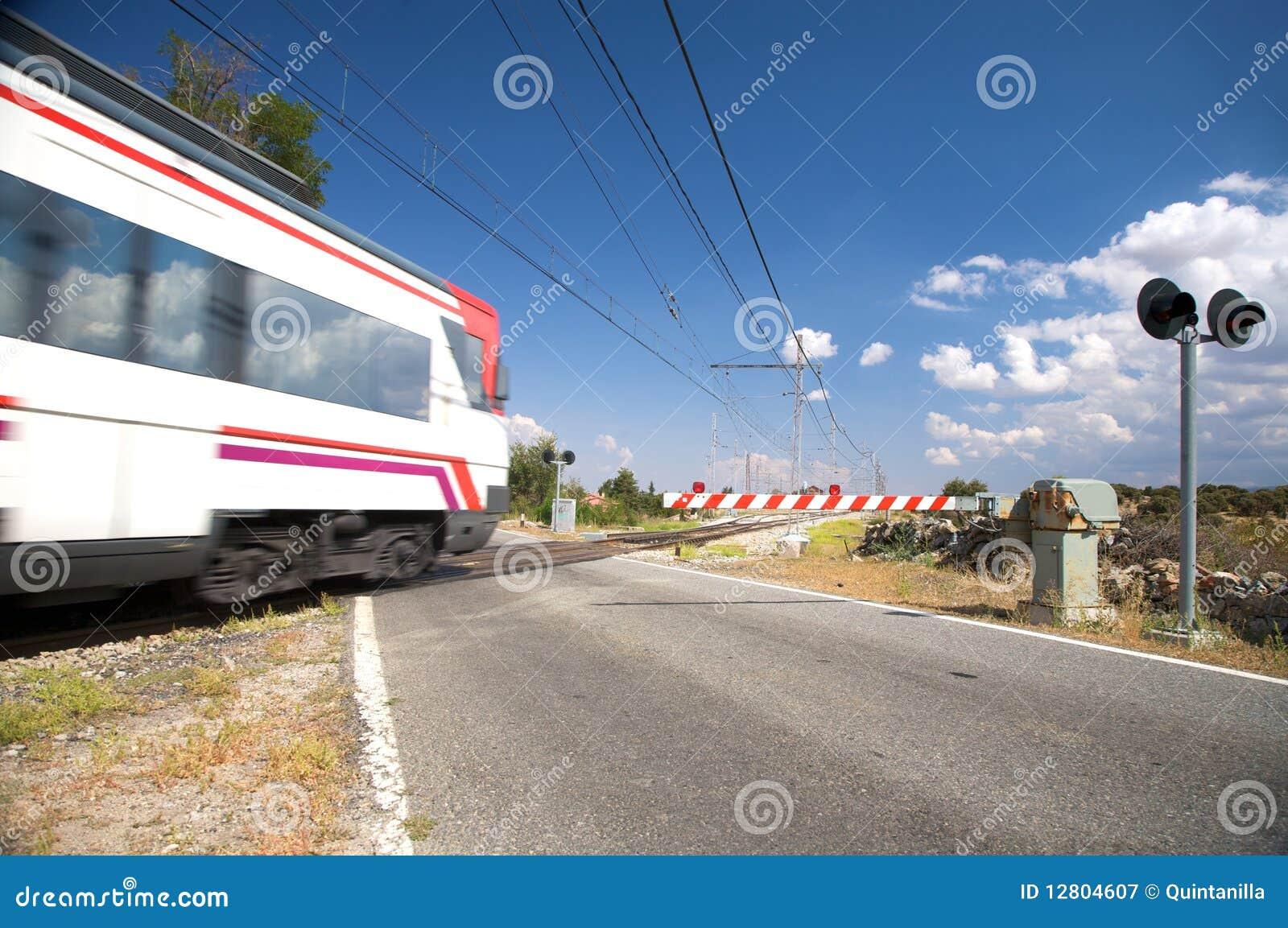 Trem da passagem de nível