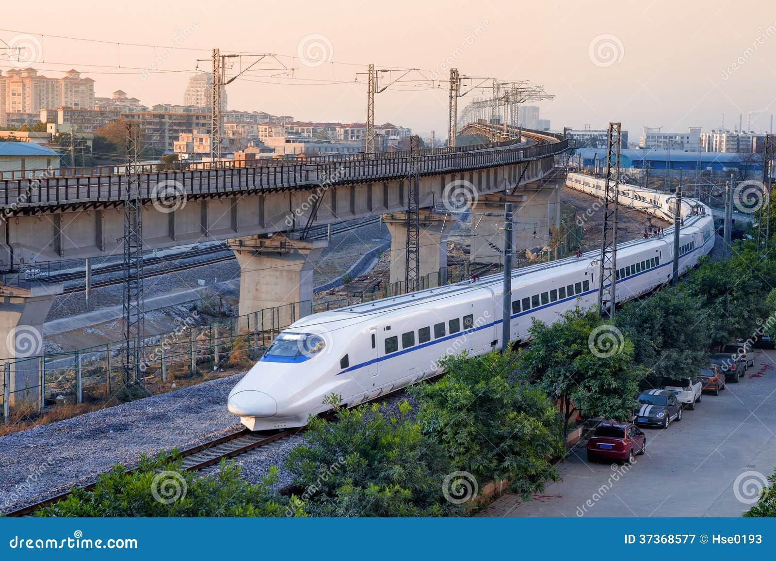 Trem de alta velocidade, UEM (unidade múltipla elétrica)