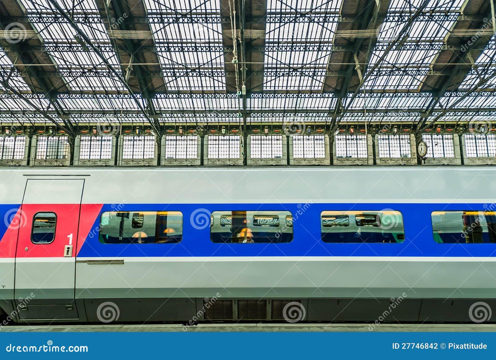 Tren de alta velocidad del francés del TGV