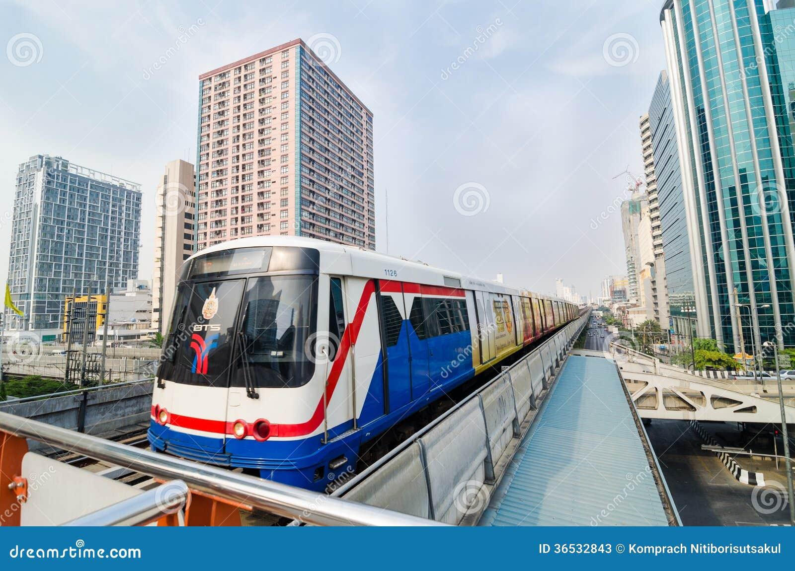 Tren del BTS de Bangkok Tailandia.