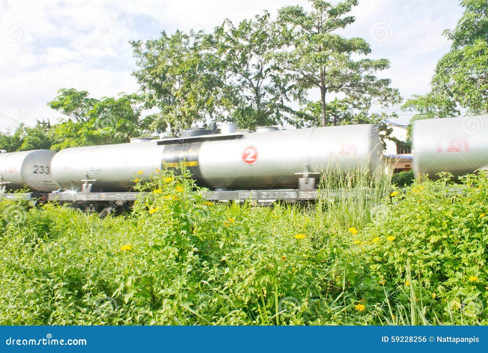 Download Tren del petrolero foto de archivo. Imagen de ferrocarril - 59228256