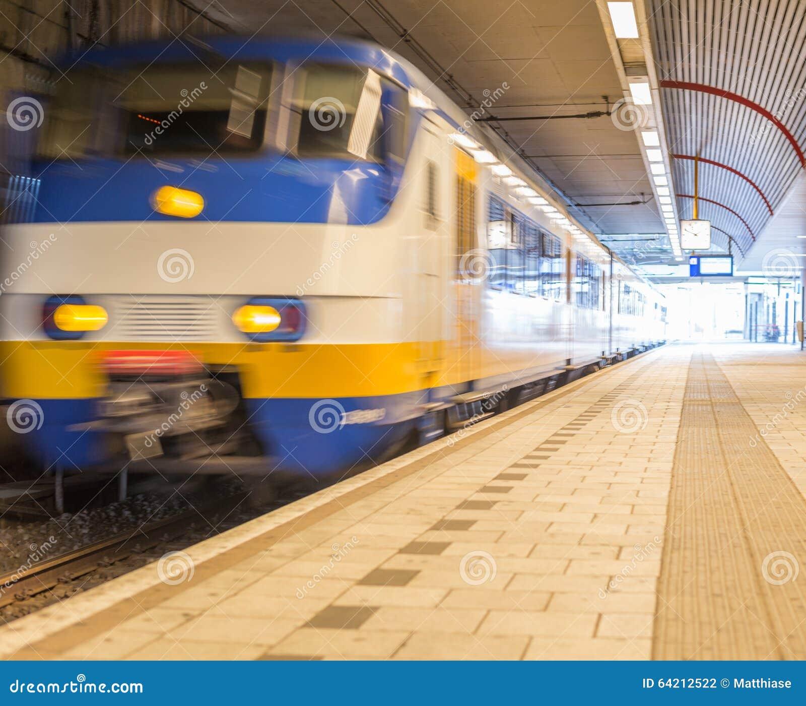 Tren móvil