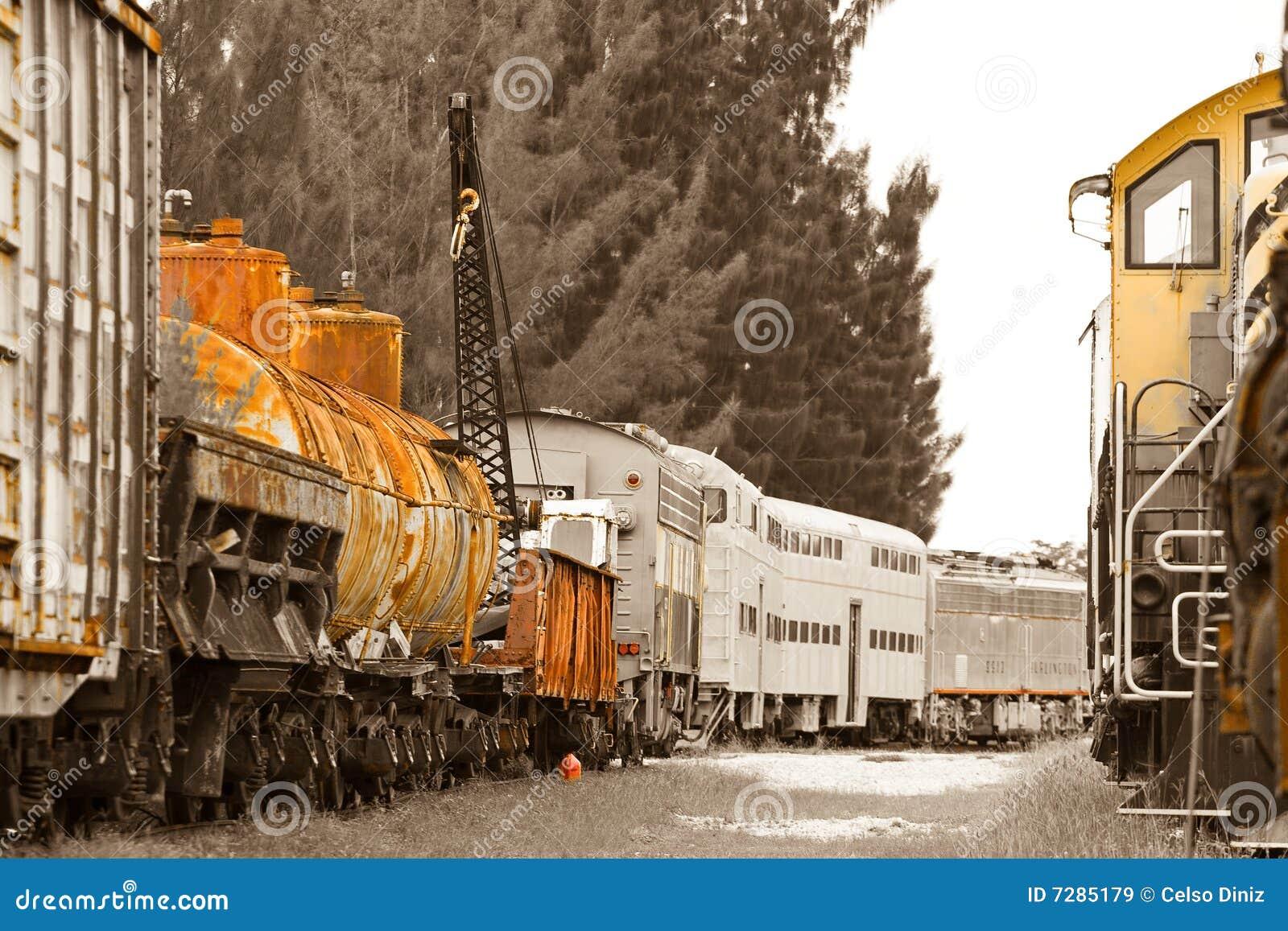 Trenes viejos en trainyard