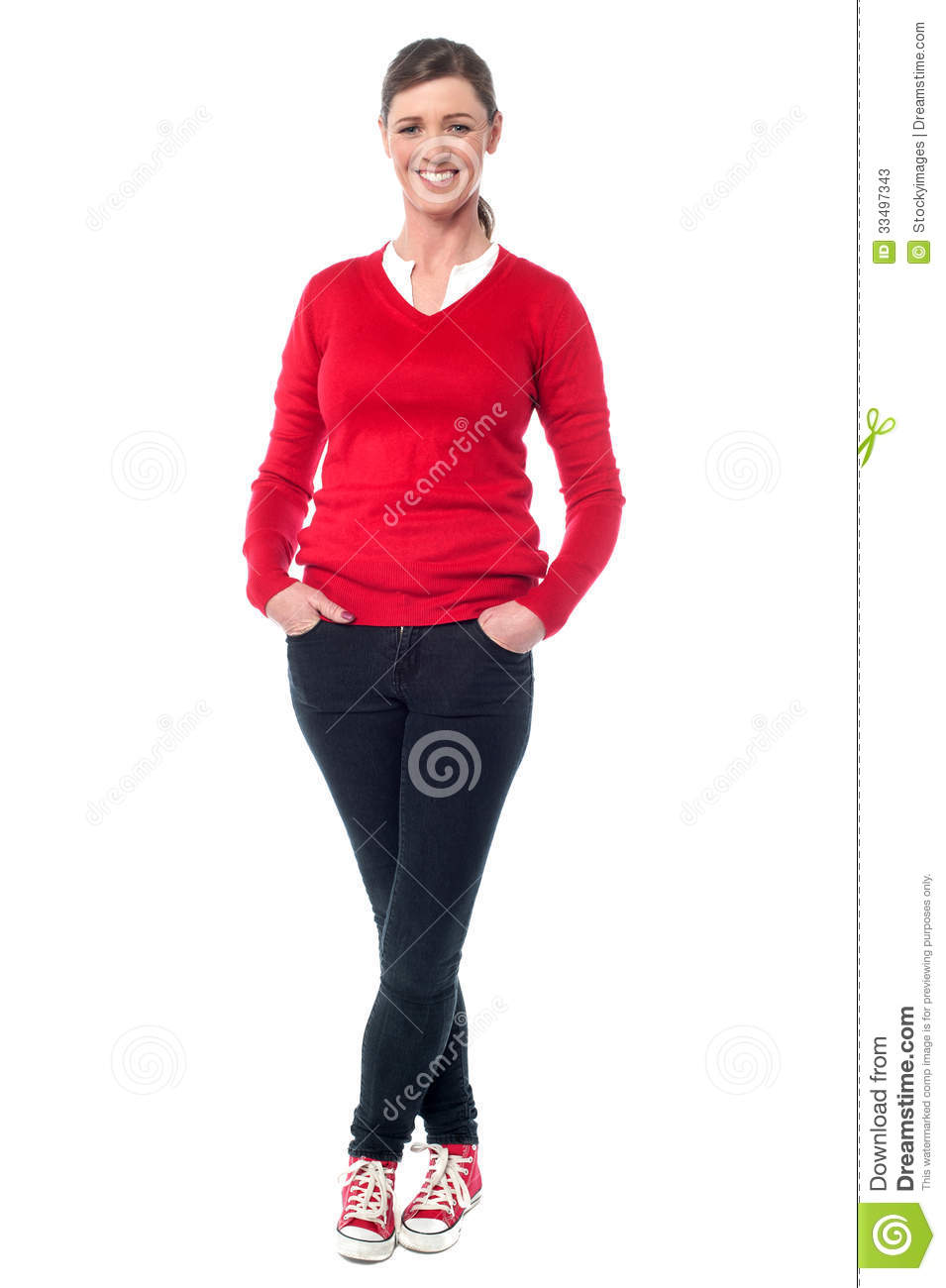By following fashion that is suitable for your age you can look extremely stylish and chic for your age. middle aged women