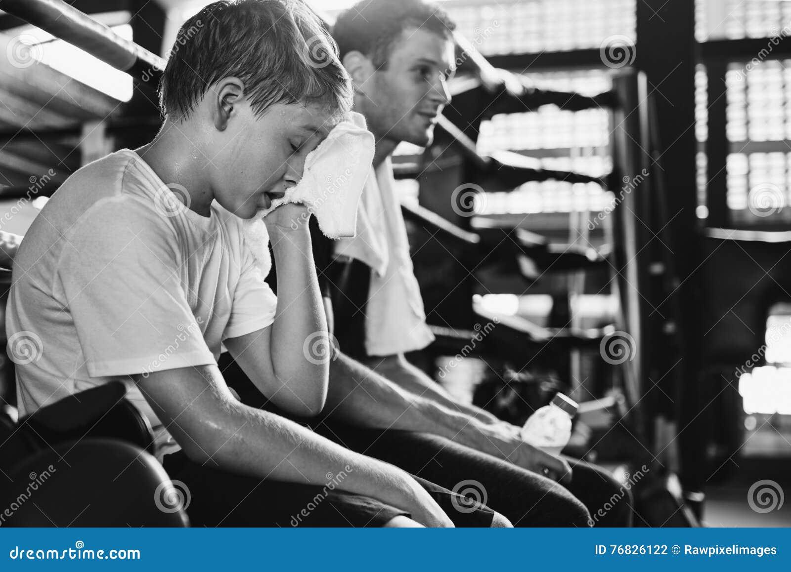Trenowanie trenera ćwiczenia atlety treningu Sporty pojęcie