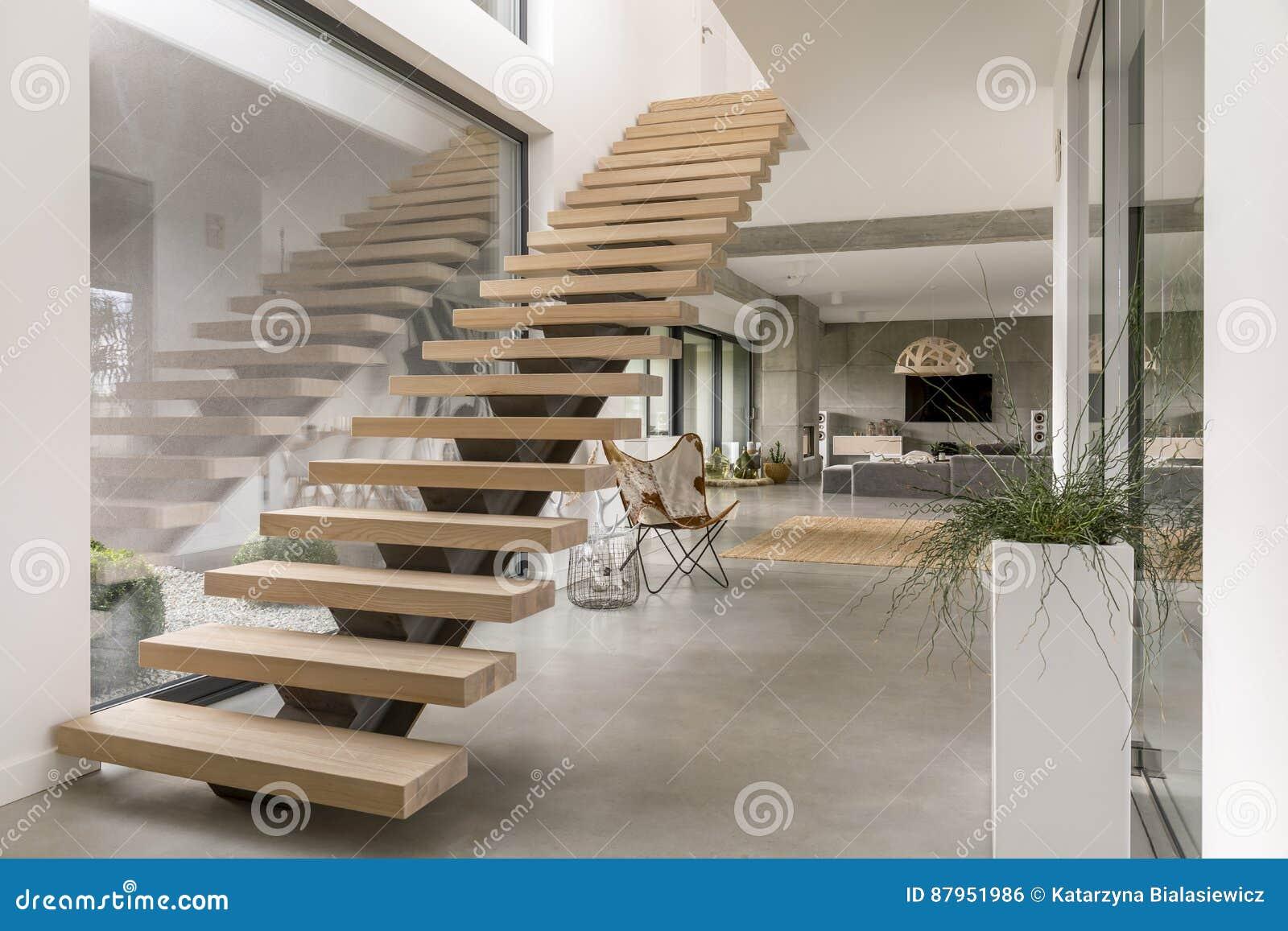 Treppe Im Modernen Landhaus Stockfoto Bild Von Dekoration