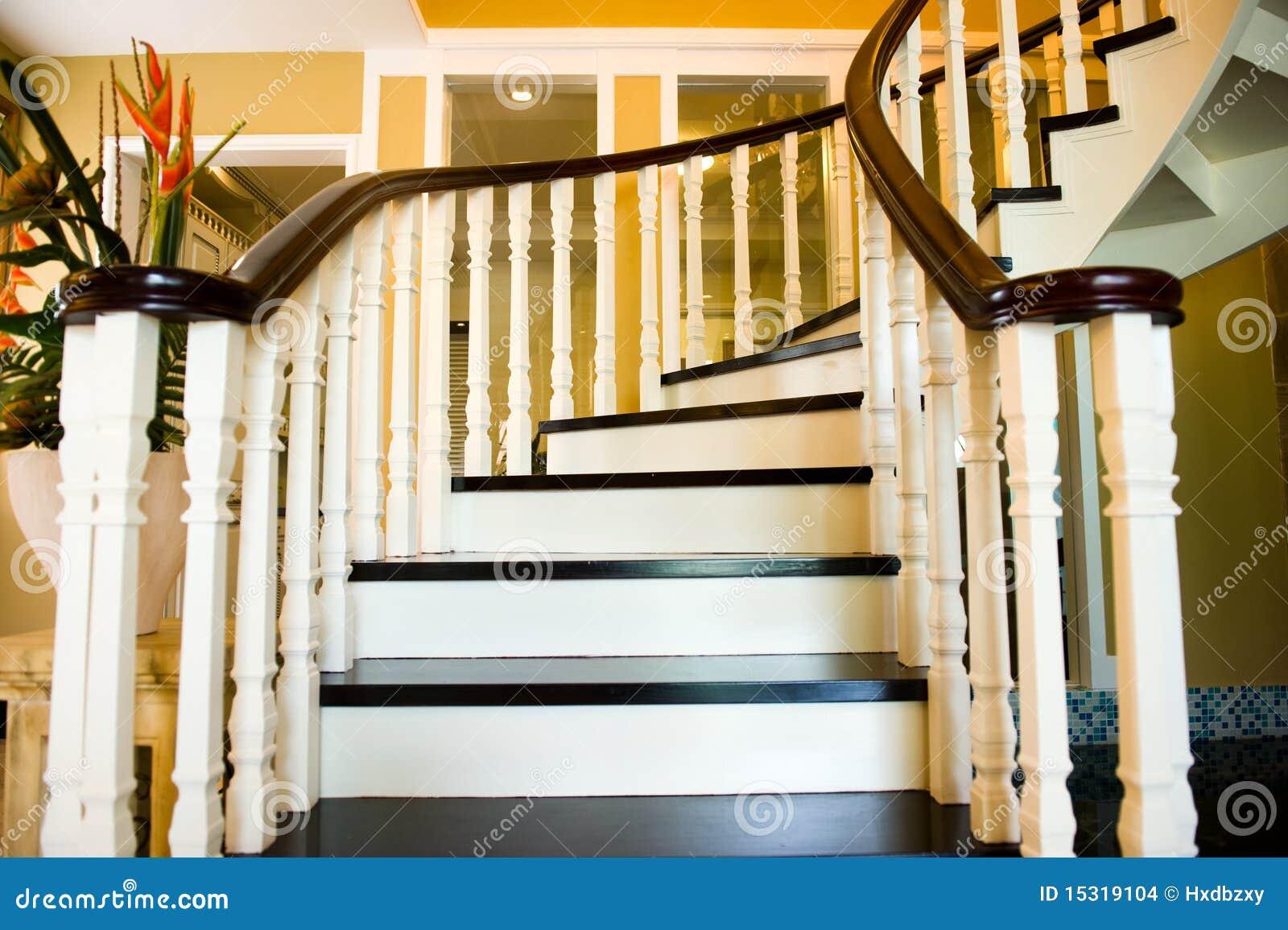 treppen stockfoto. bild von ansicht, farbe, innen, planken - 15319104