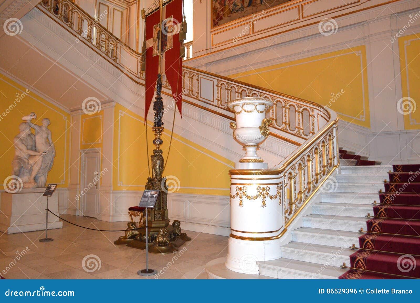 Treppenhaus im königlichen Schloss