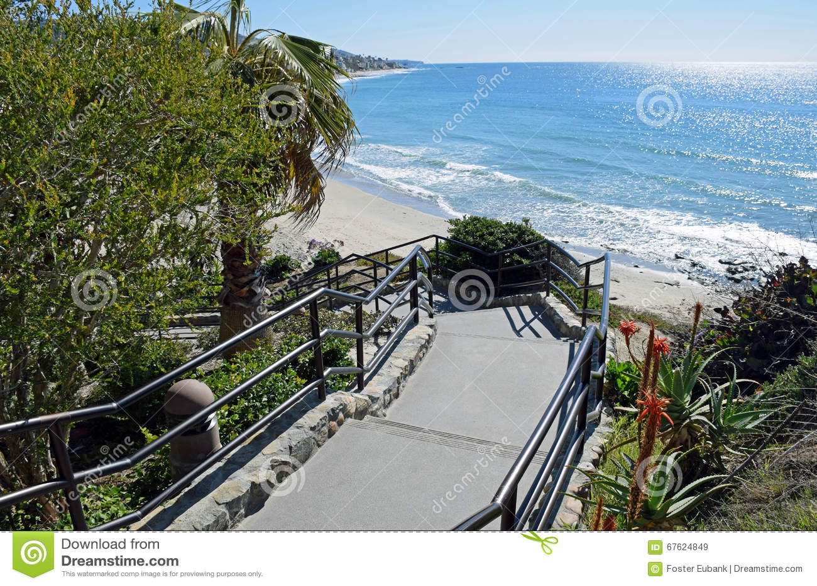 Treppenhaus Zum Hauptstrand Im Laguna Beach, Kalifornien ...  Treppenhaus Zum...