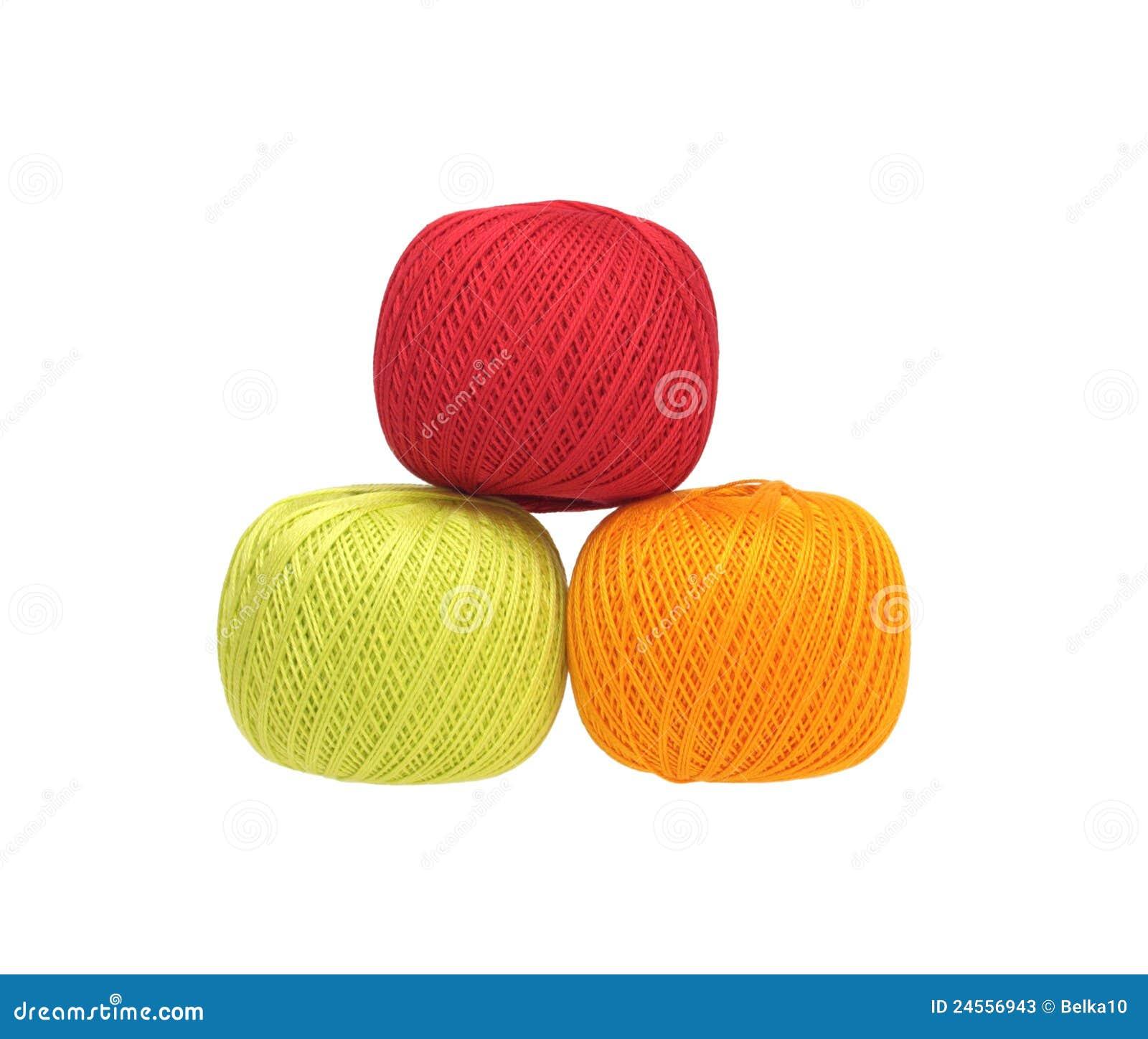 Tres bolas de hilo de algod n fotos de archivo imagen - Bolas de hilo ...