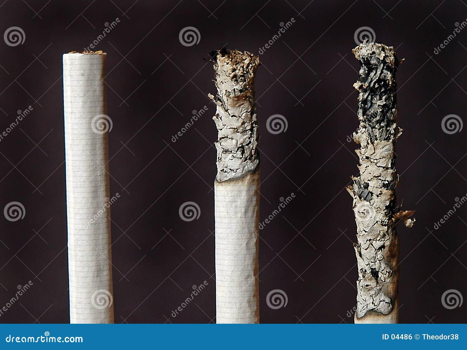 Tres cigarrillos
