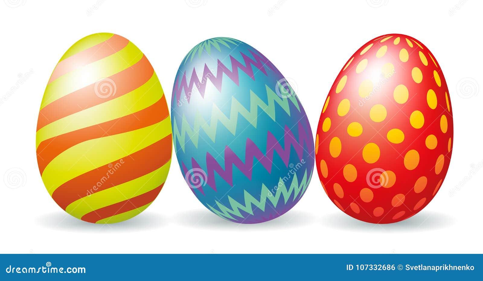 Tres huevos de Pascua coloridos