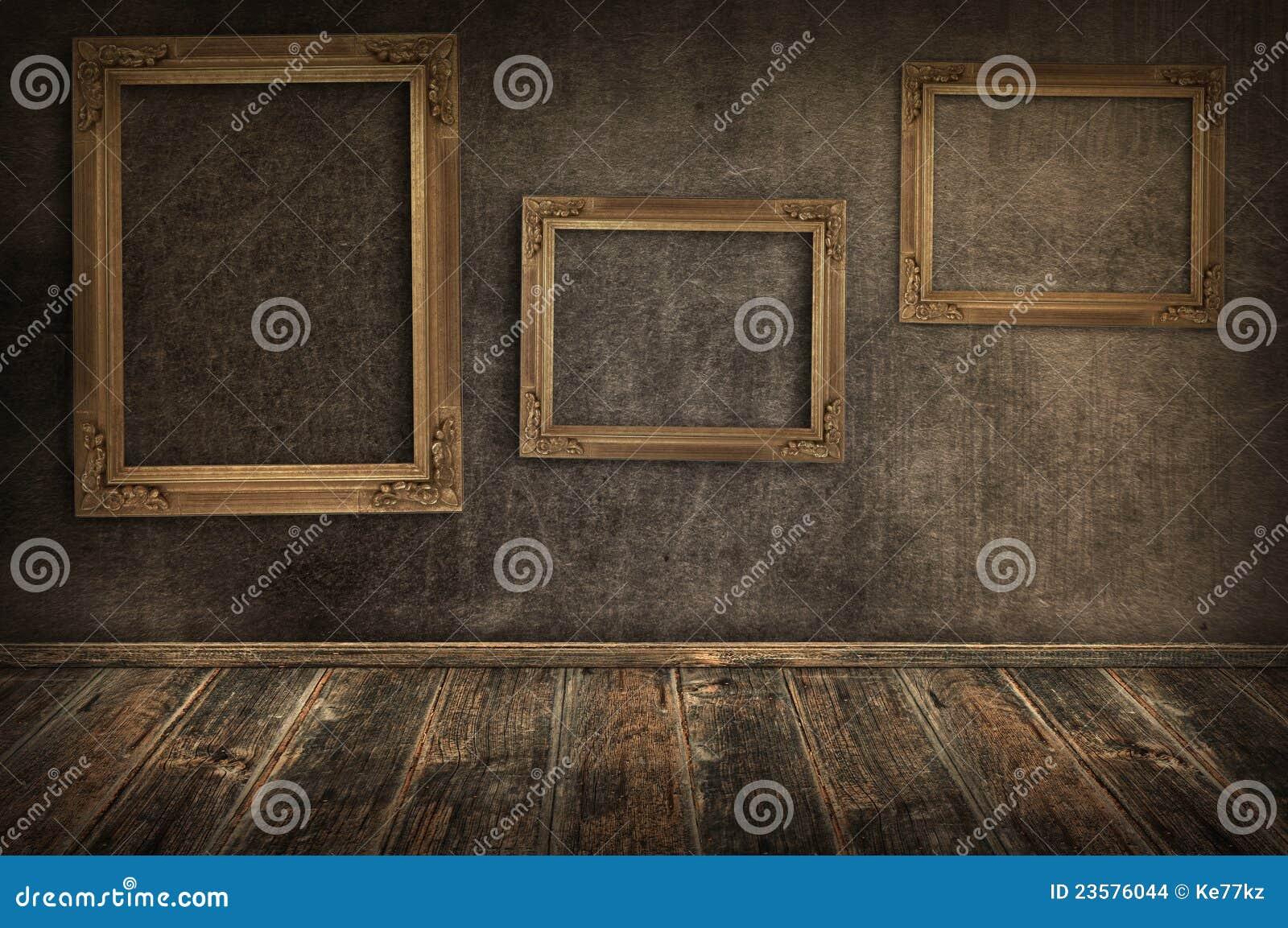 Tres marcos de la vendimia en la pared.
