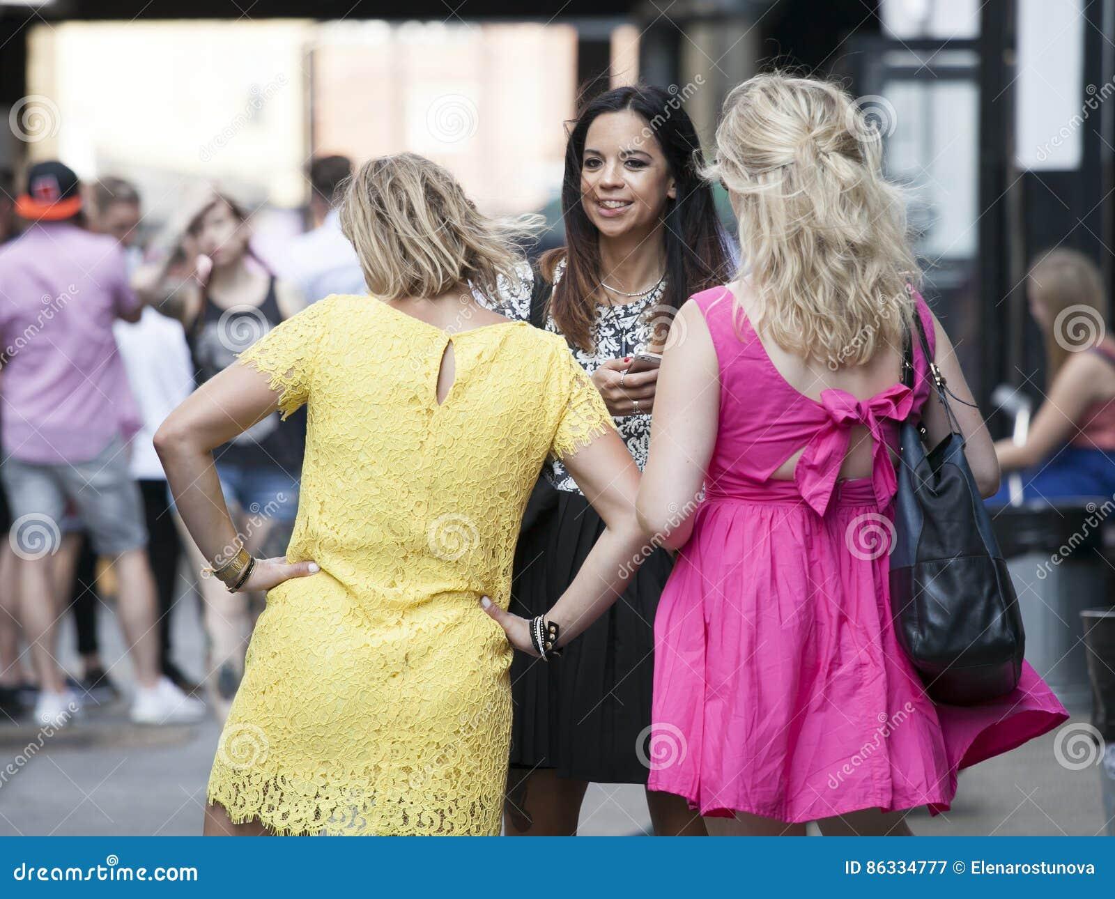 Fotos de vestidos cortos de calle
