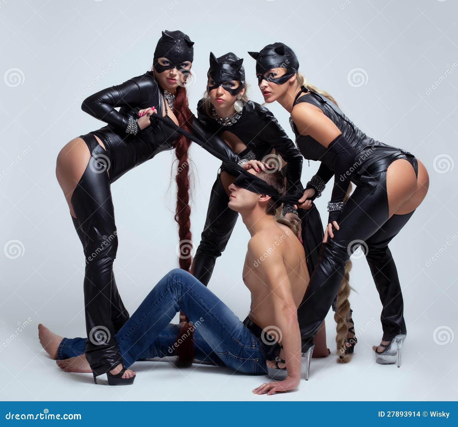 Sexo Con Tres Mujeres 20