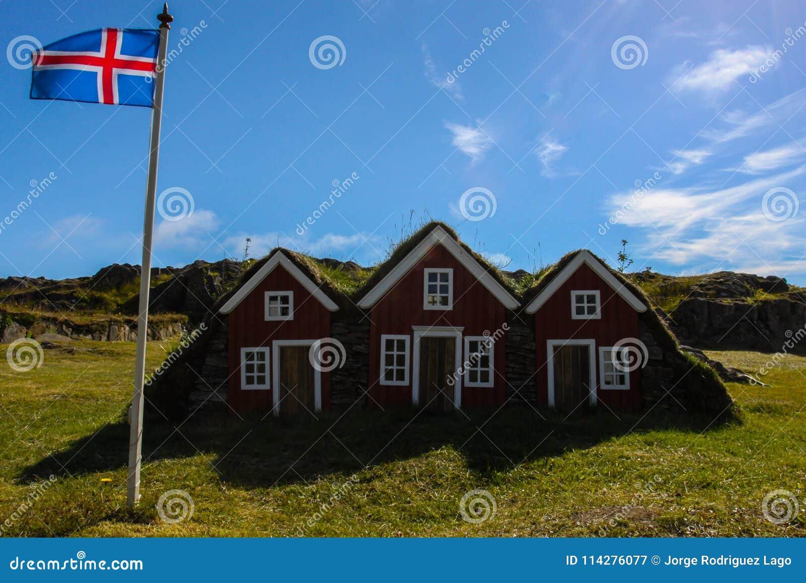 Tres pequeñas casas en Islandia