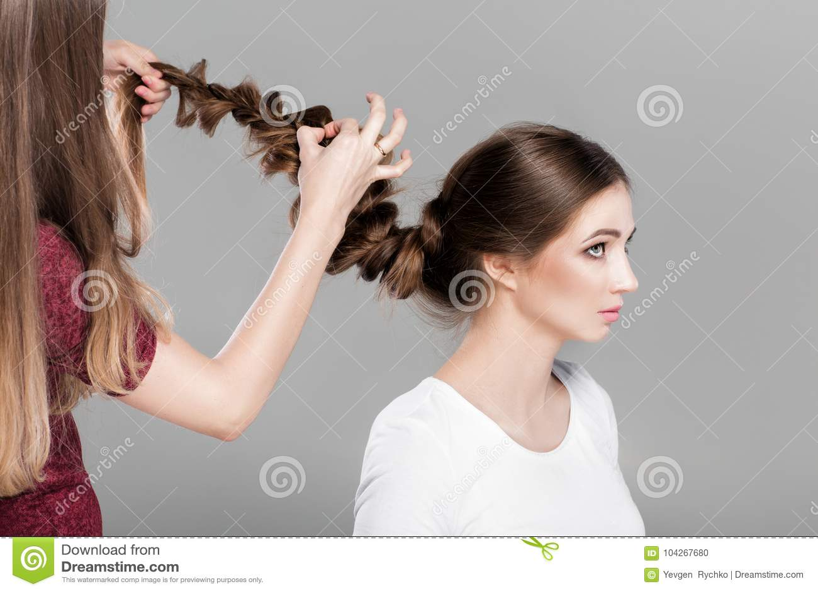 Coiffure femme avec des tresses