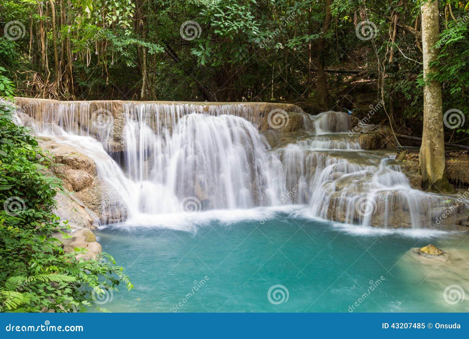 Download Trevlig Vattenfall I Thailand Fotografering för Bildbyråer - Bild av green, lopp: 43207485