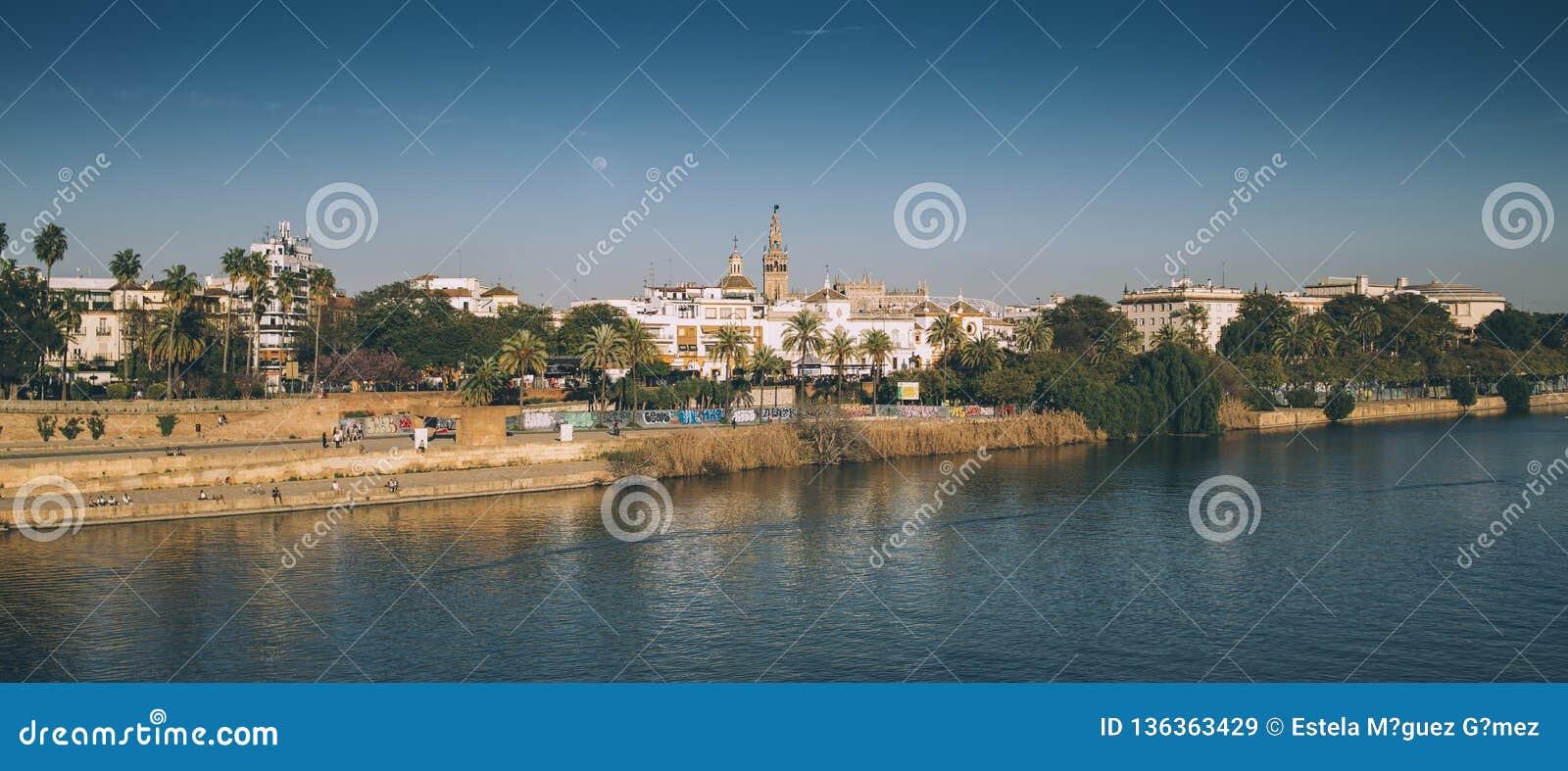 From the Triana bridge, Sevilla