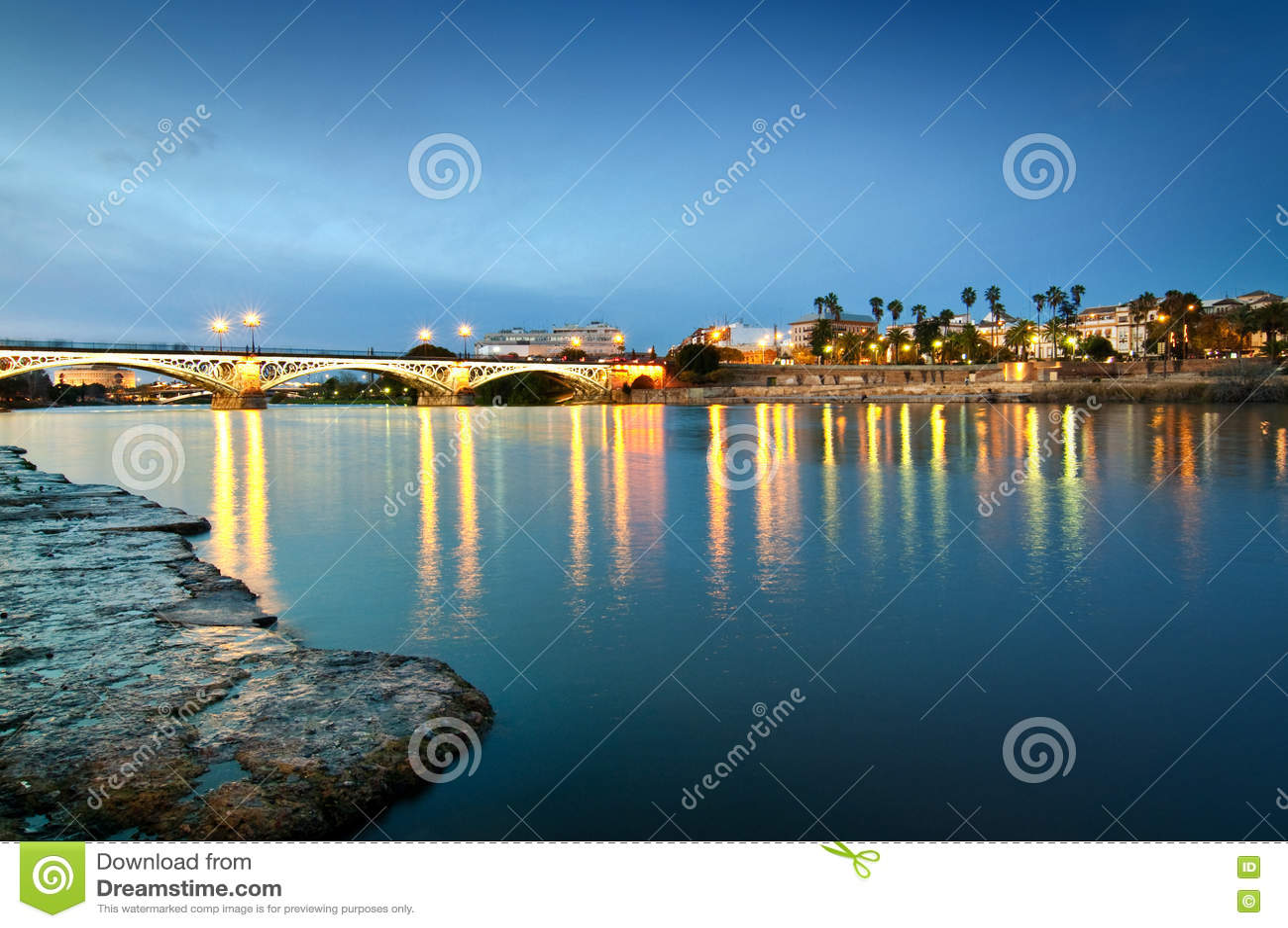 Triana bro i aftonljuset, Sevilla Spain