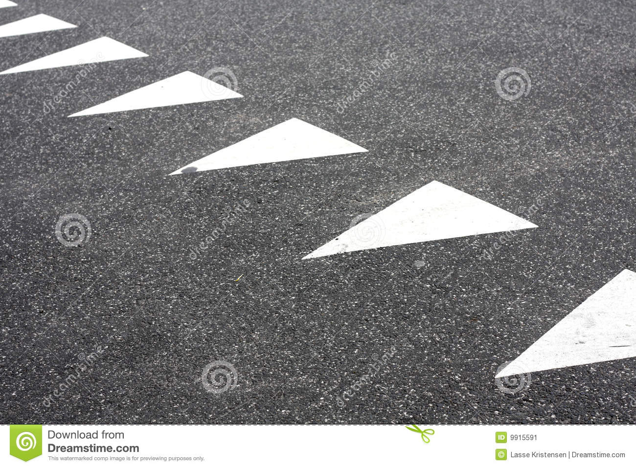 Triangle Road Signs >> Triangular Road Markings Stock Image - Image: 9915591