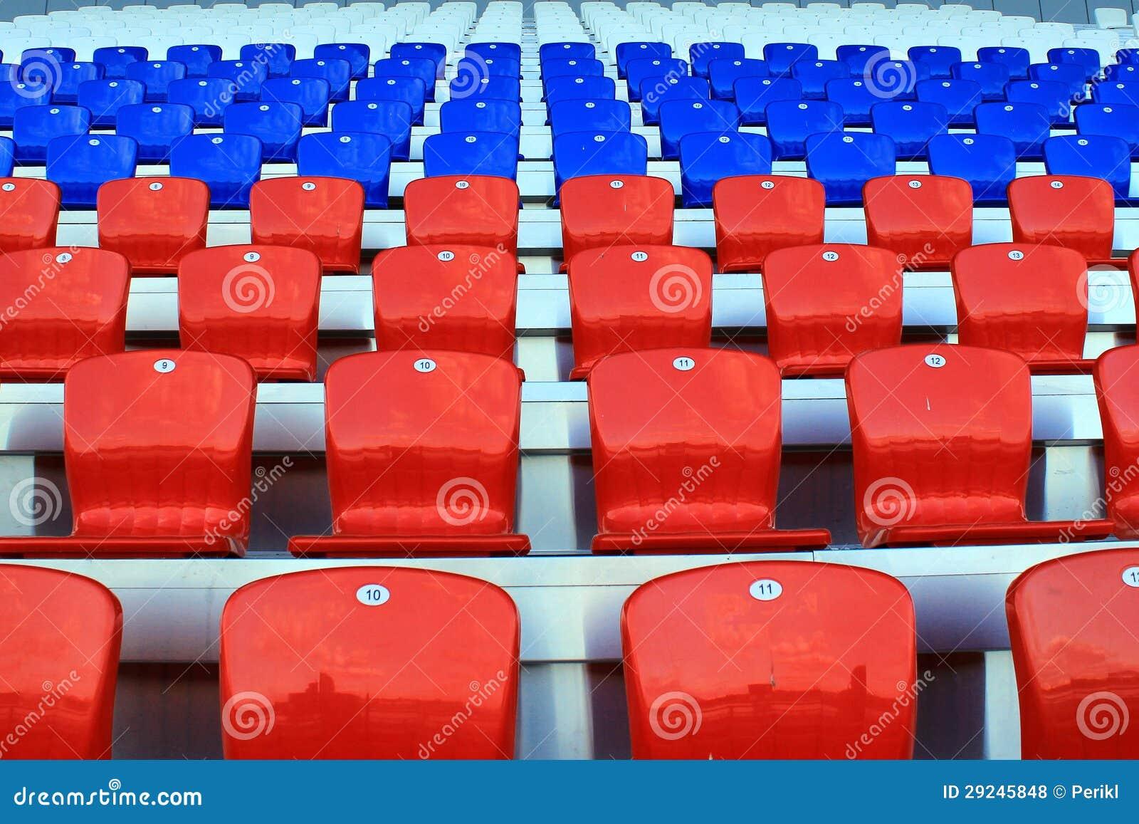 Download Tribuna Do Estádio, Cadeiras Vazias Foto de Stock - Imagem de classical, edifícios: 29245848