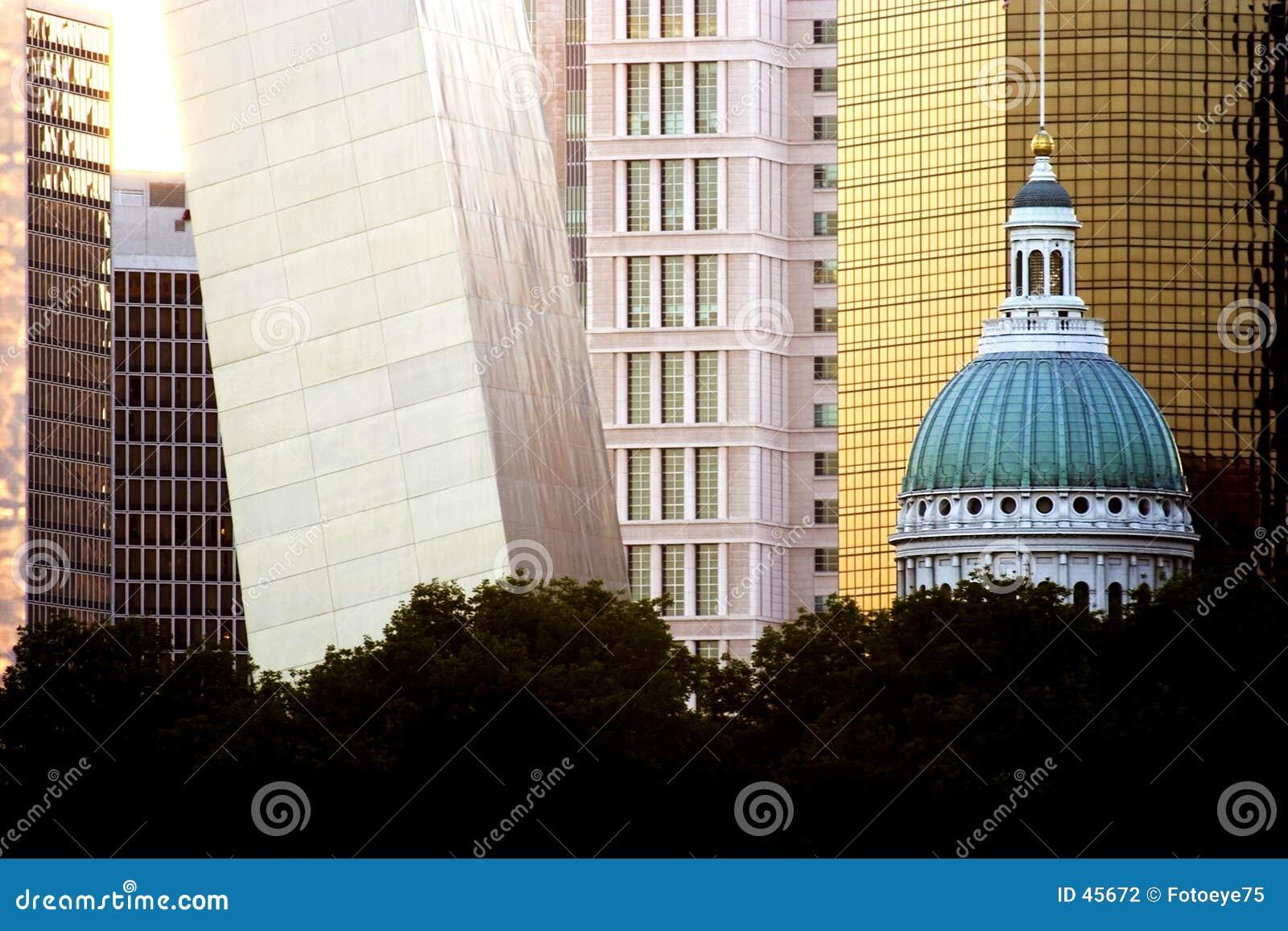 Tribunal e arco de St Louis