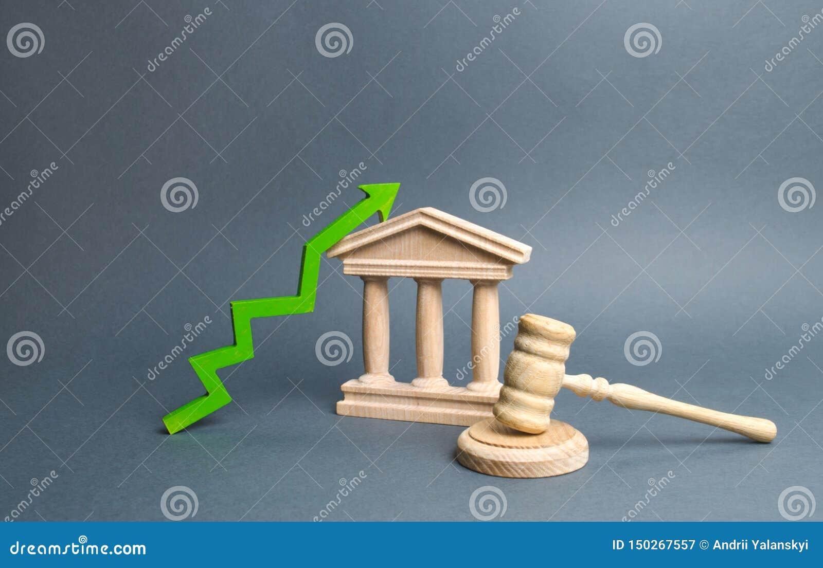 Tribunale e verde sulla freccia miglioramento dell efficienza del sistema giudiziario, della trasparenza e dell imparzialità Alto
