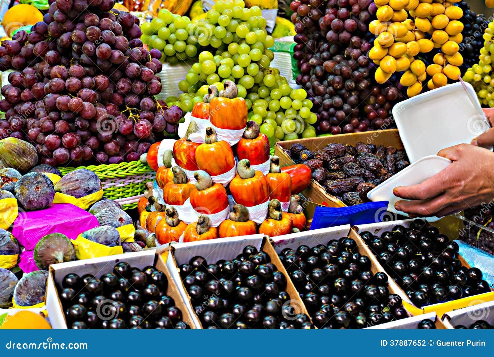Tribune met vruchten