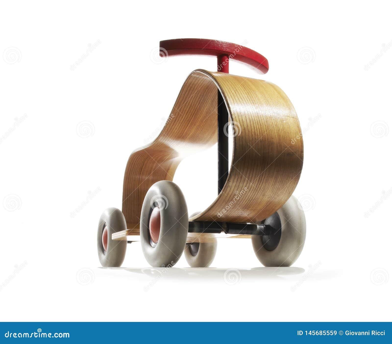 Triciclo di legno d annata