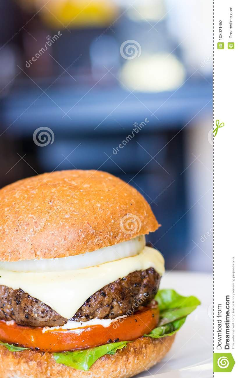 Tried to re-create Gordon Ramsay`s Homemade Beef Burger Recipe. It was beautiful and so tasty