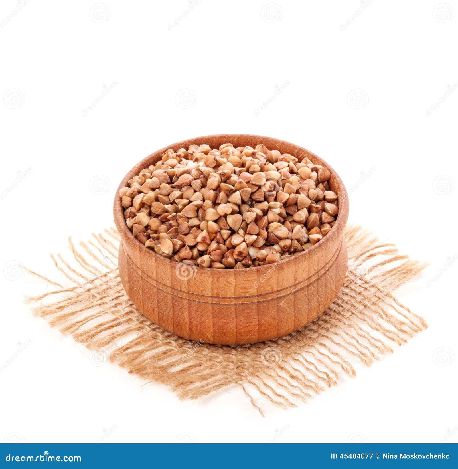 Trigo mourisco na curva de madeira