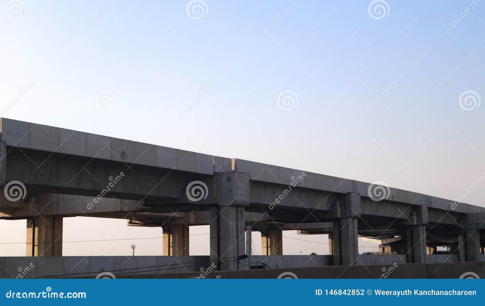 Trilha e esta??o modernas de alta velocidade da constru??o do trem para o transporte maci?o Banguecoque Tail?ndia