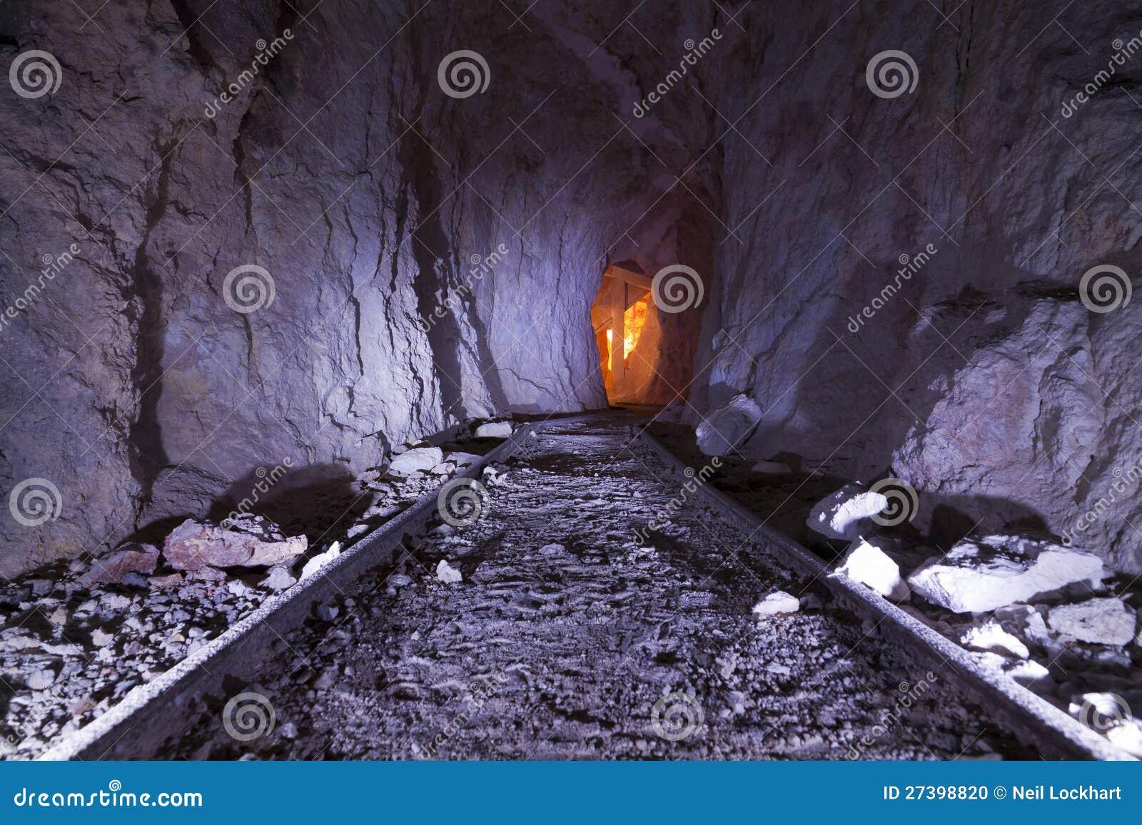 Trilhas de mina de ouro