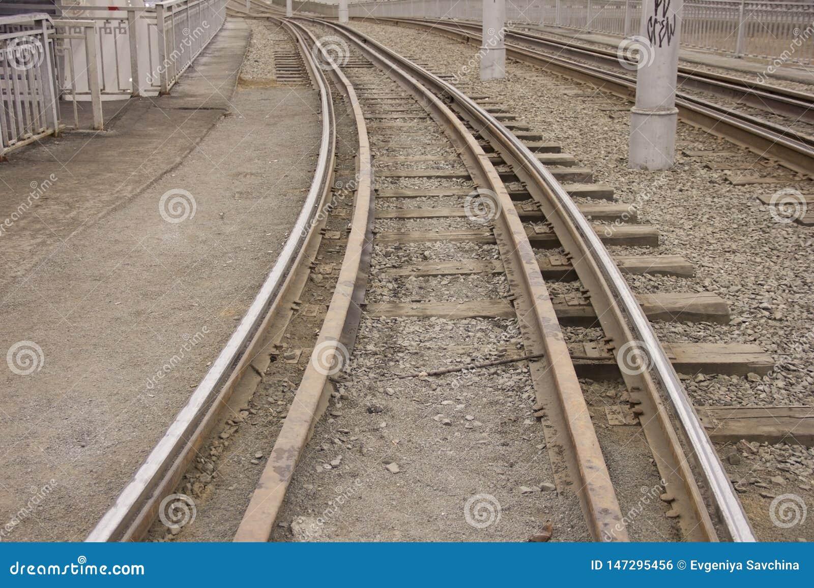 Trilhos para o bonde ou o trem