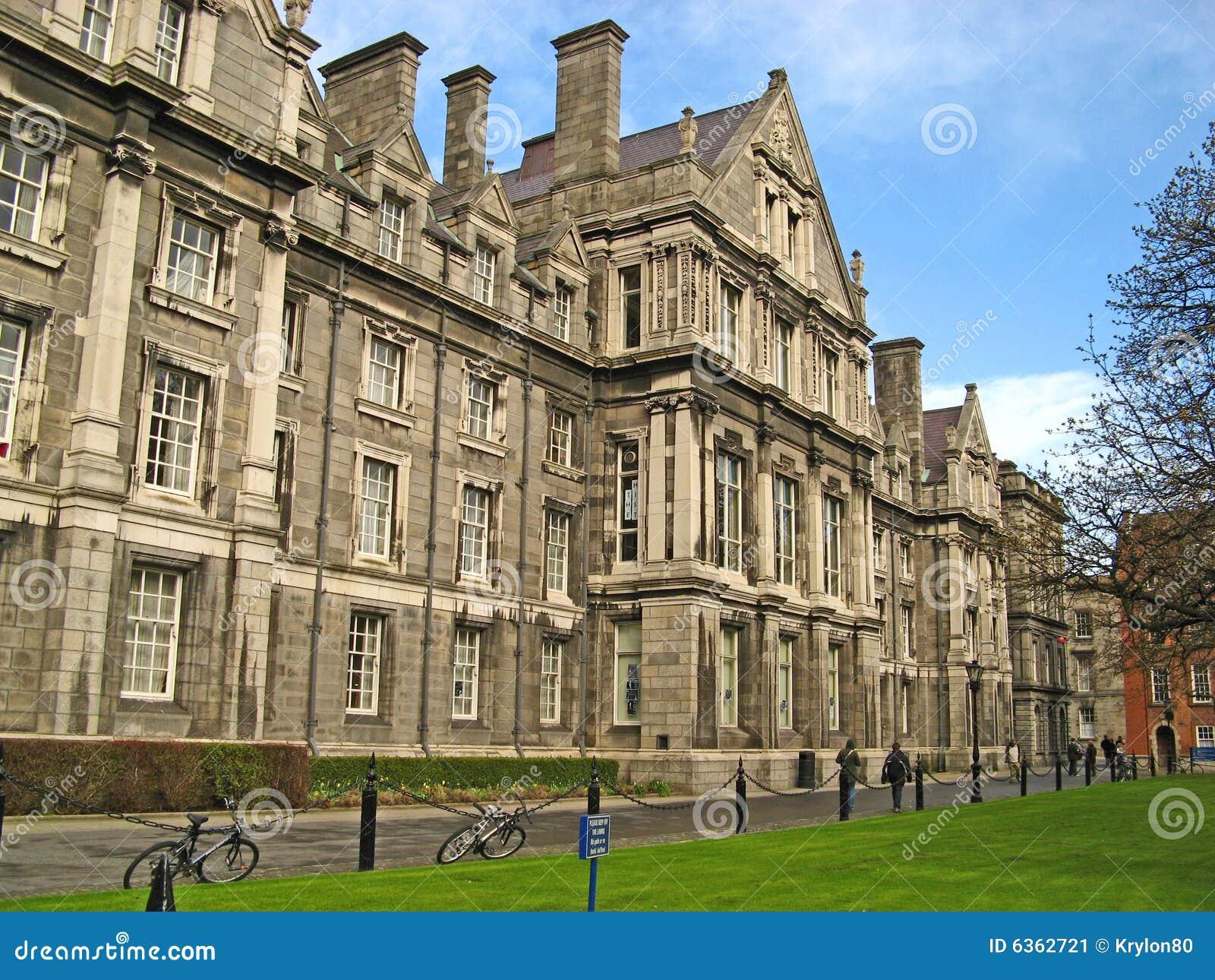 Trinité de 01 universités