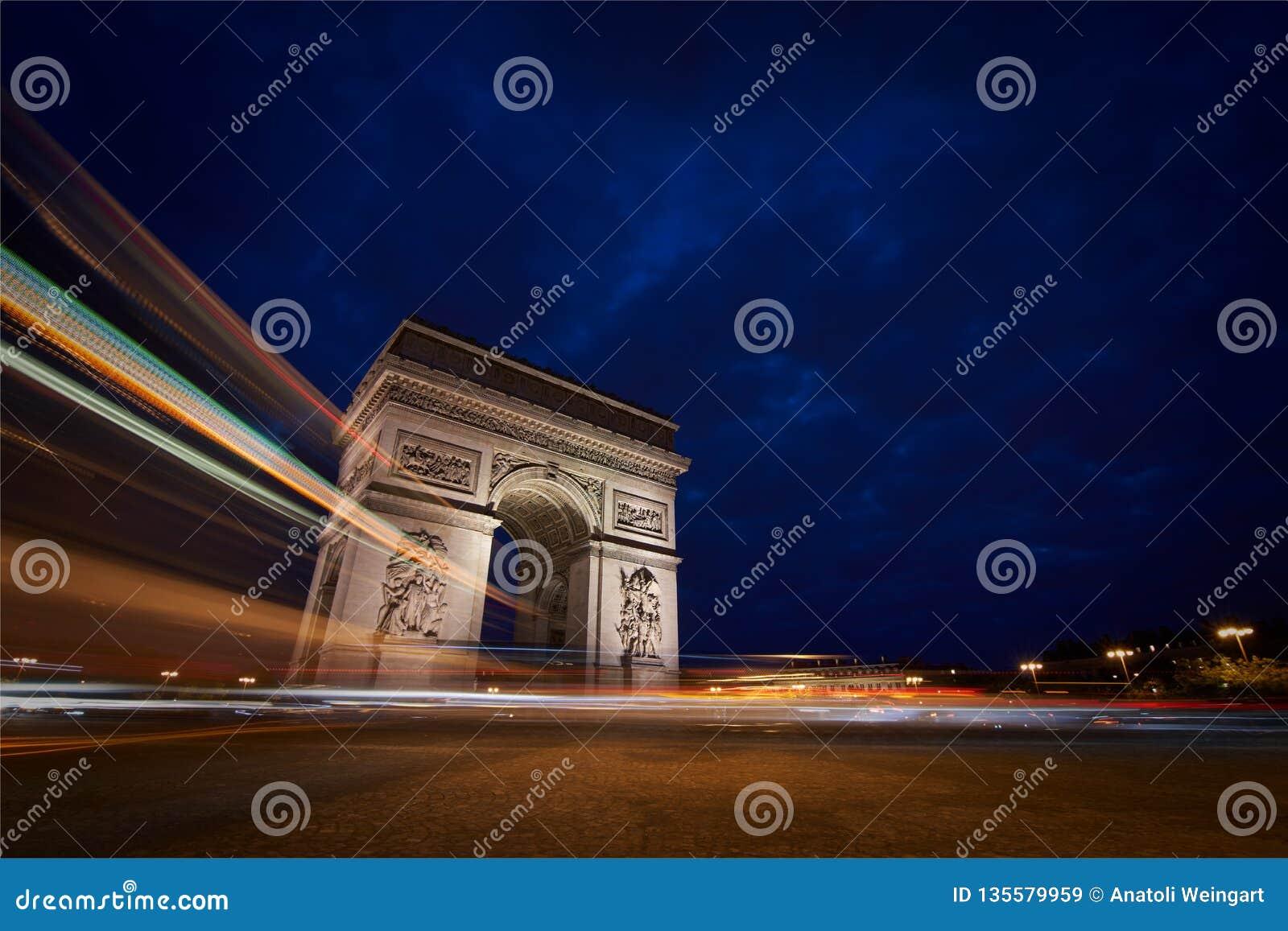 Triomphe дуги de ночи
