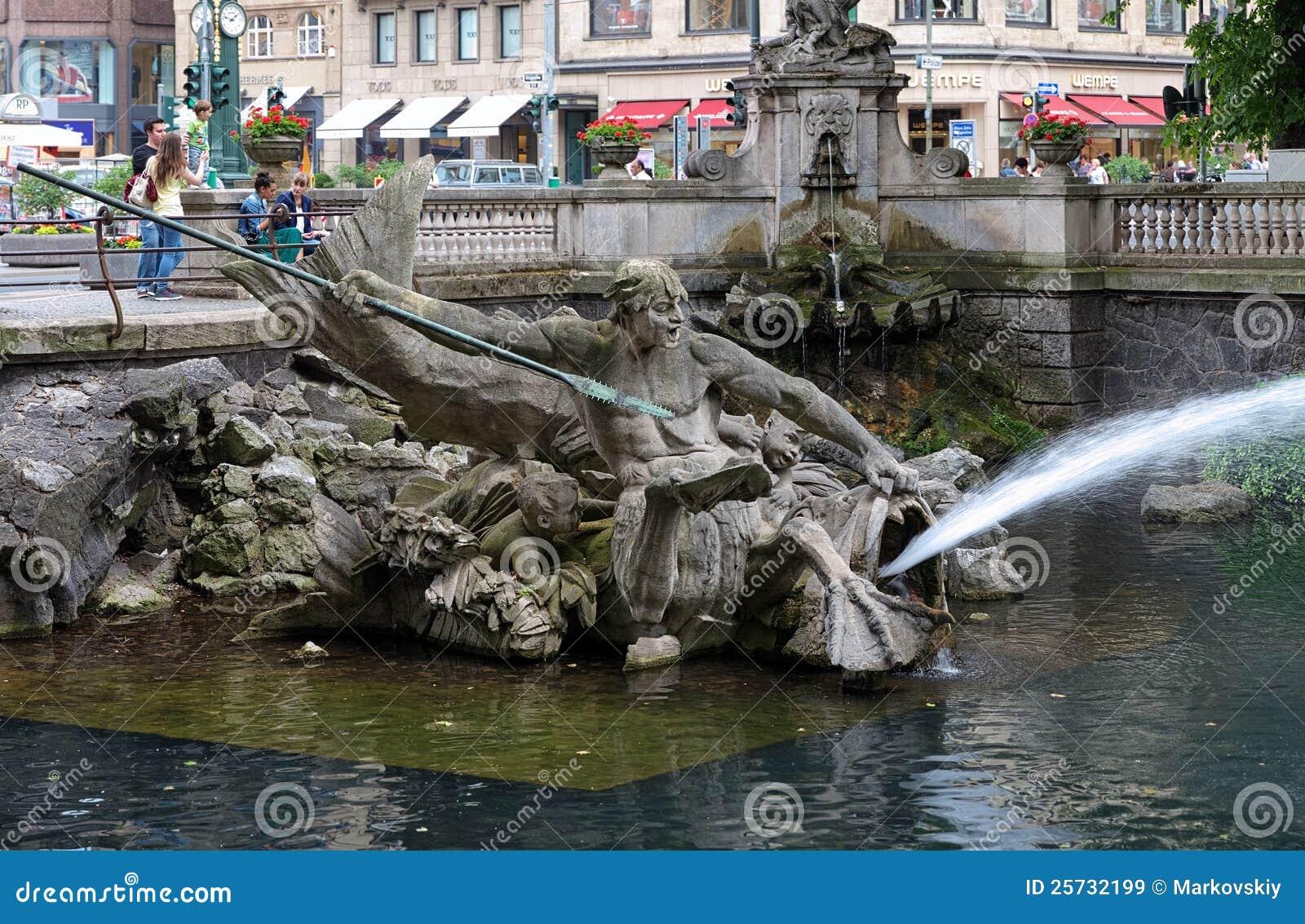 Captivating Triton Brunnen In Duesseldorf, Deutschland