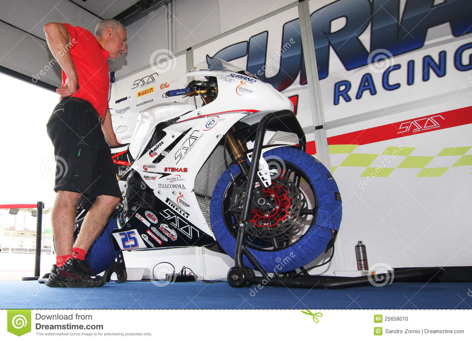 Triumph Daytona 675 Power team by Suriano