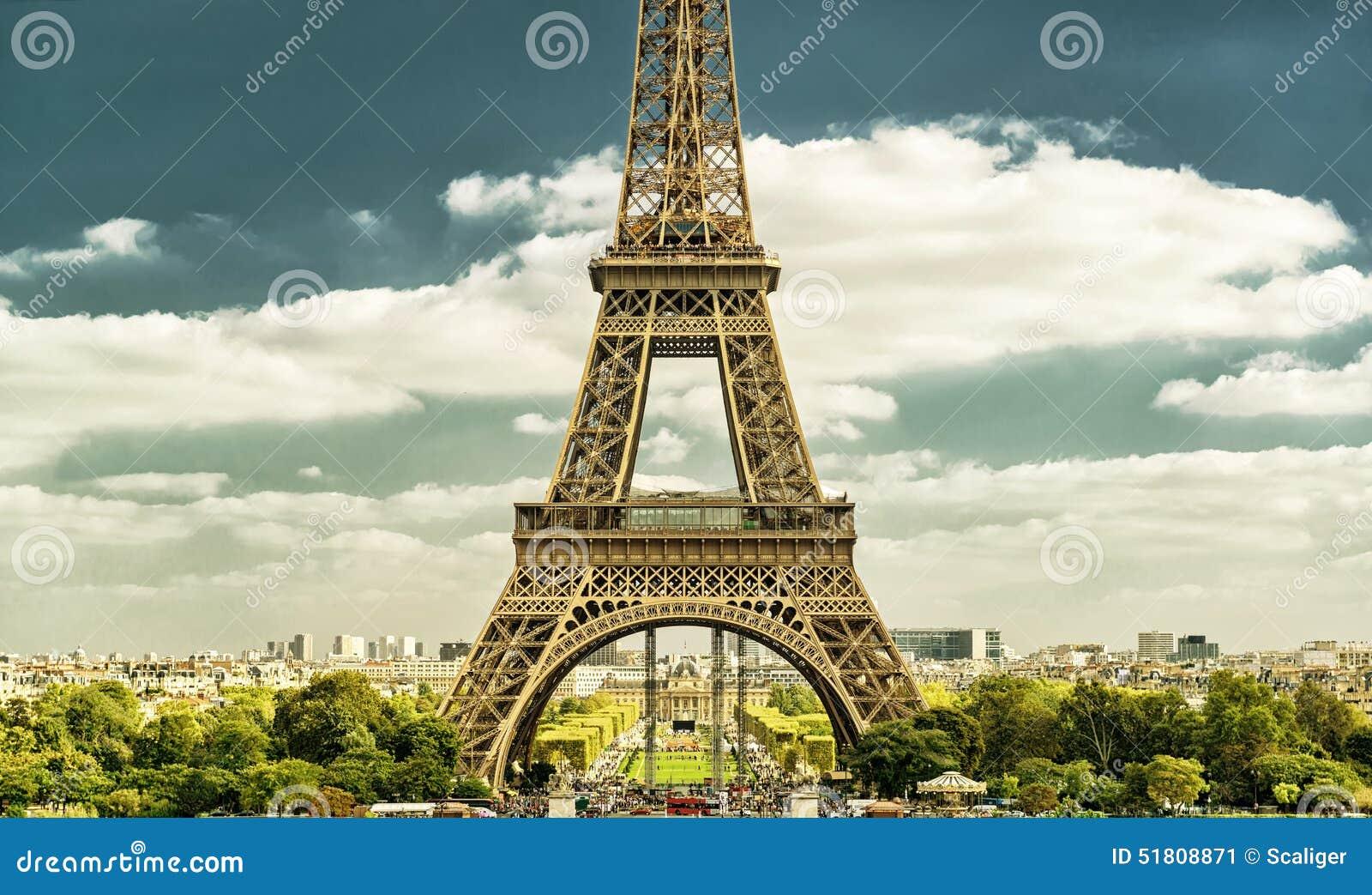 从trocadero,巴黎,法国的艾菲尔铁塔 抽象背景同类的照片结构葡萄酒.